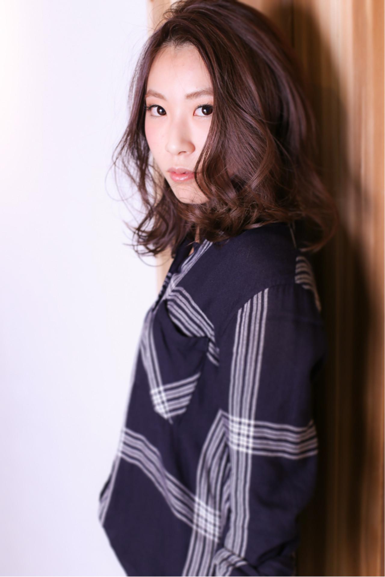 冬 色気 暗髪 ナチュラルヘアスタイルや髪型の写真・画像