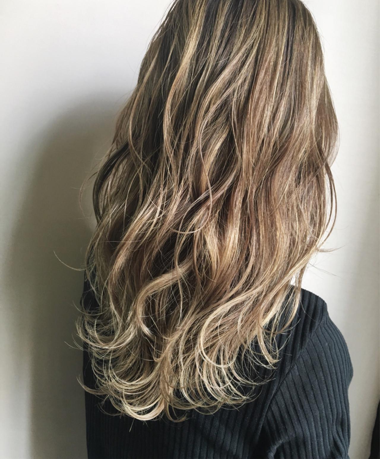 グラデーションカラー セミロング バレイヤージュ ナチュラル ヘアスタイルや髪型の写真・画像 | 田渕 英和/vicushair / vicushair