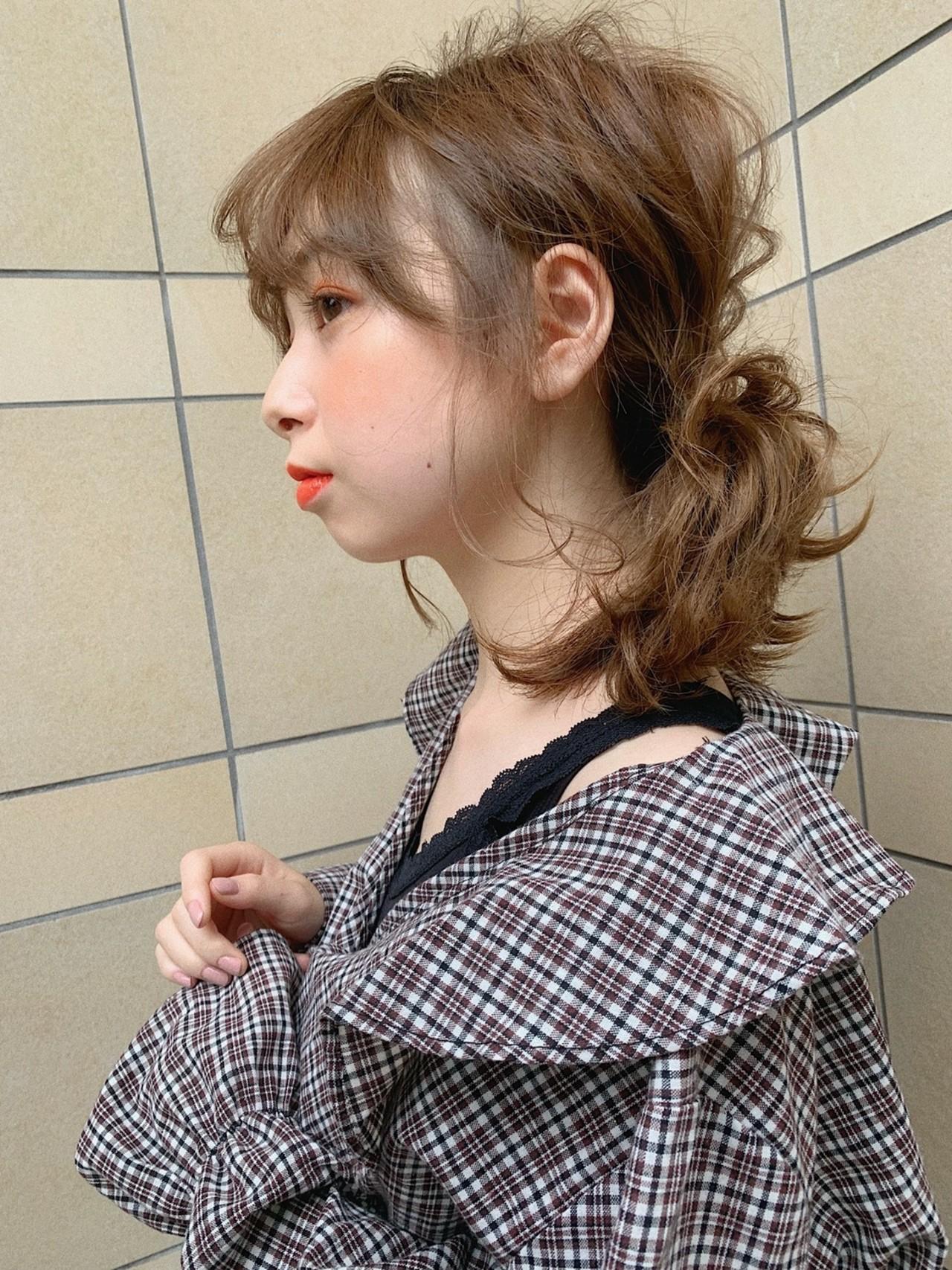 巻き髪 簡単ヘアアレンジ アウトドア ヘアアレンジ ヘアスタイルや髪型の写真・画像   伊藤美羽 /