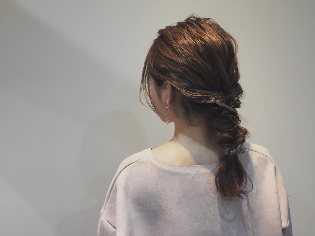 セミロング ショート くるりんぱ 大人女子ヘアスタイルや髪型の写真・画像