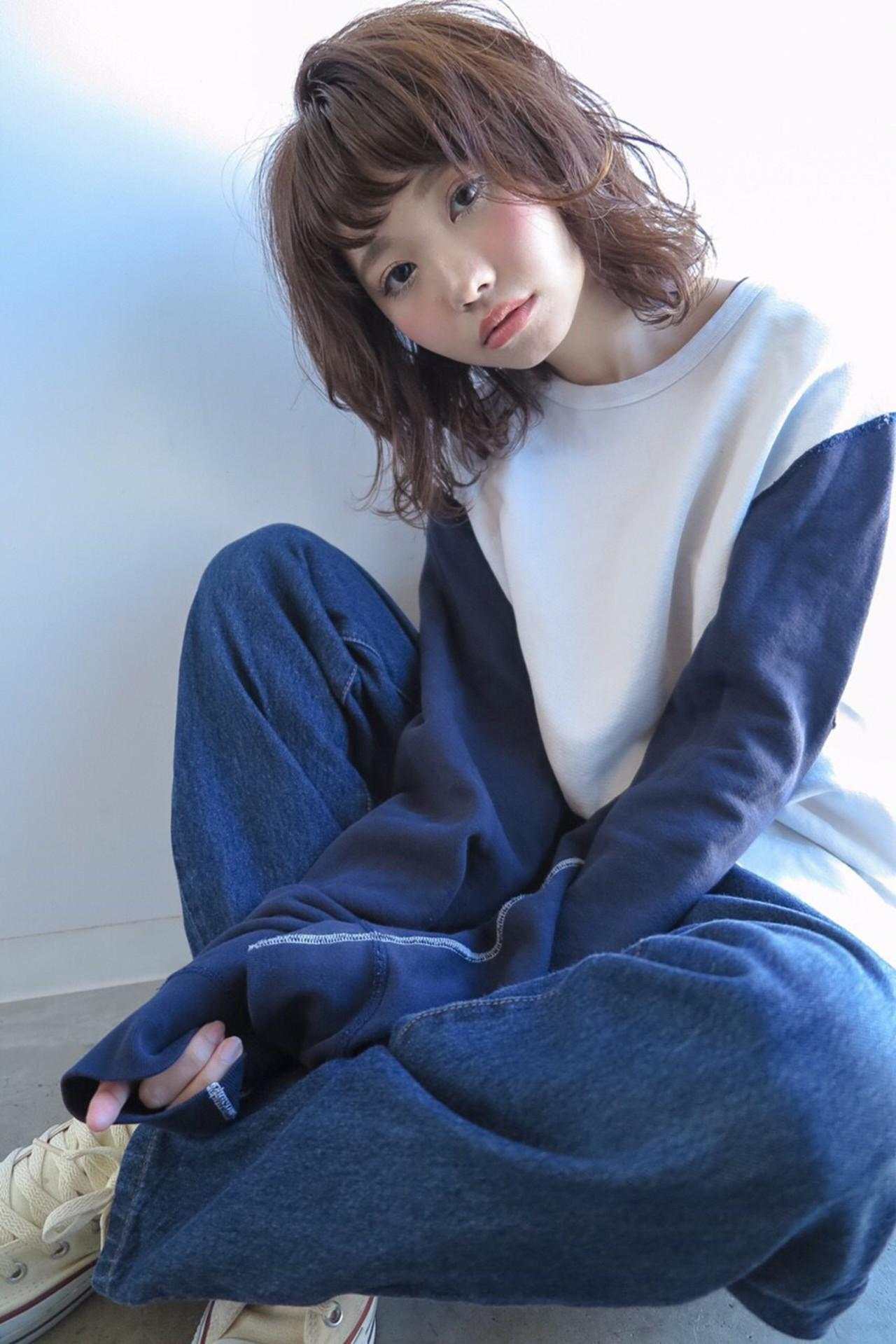 大人の階段をのぼりたい!ヘアスタイルで制するイメチェン方法。[ゆるふわ→大人キレイ] 加藤 優希