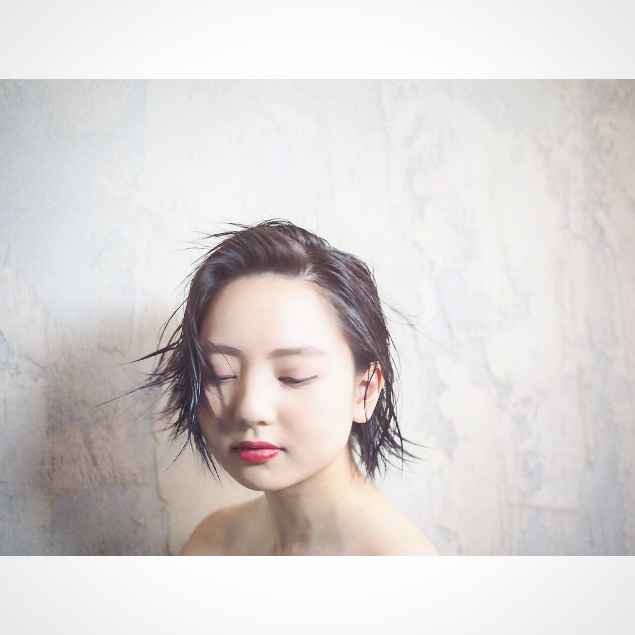 ショート 暗髪 黒髪 モードヘアスタイルや髪型の写真・画像