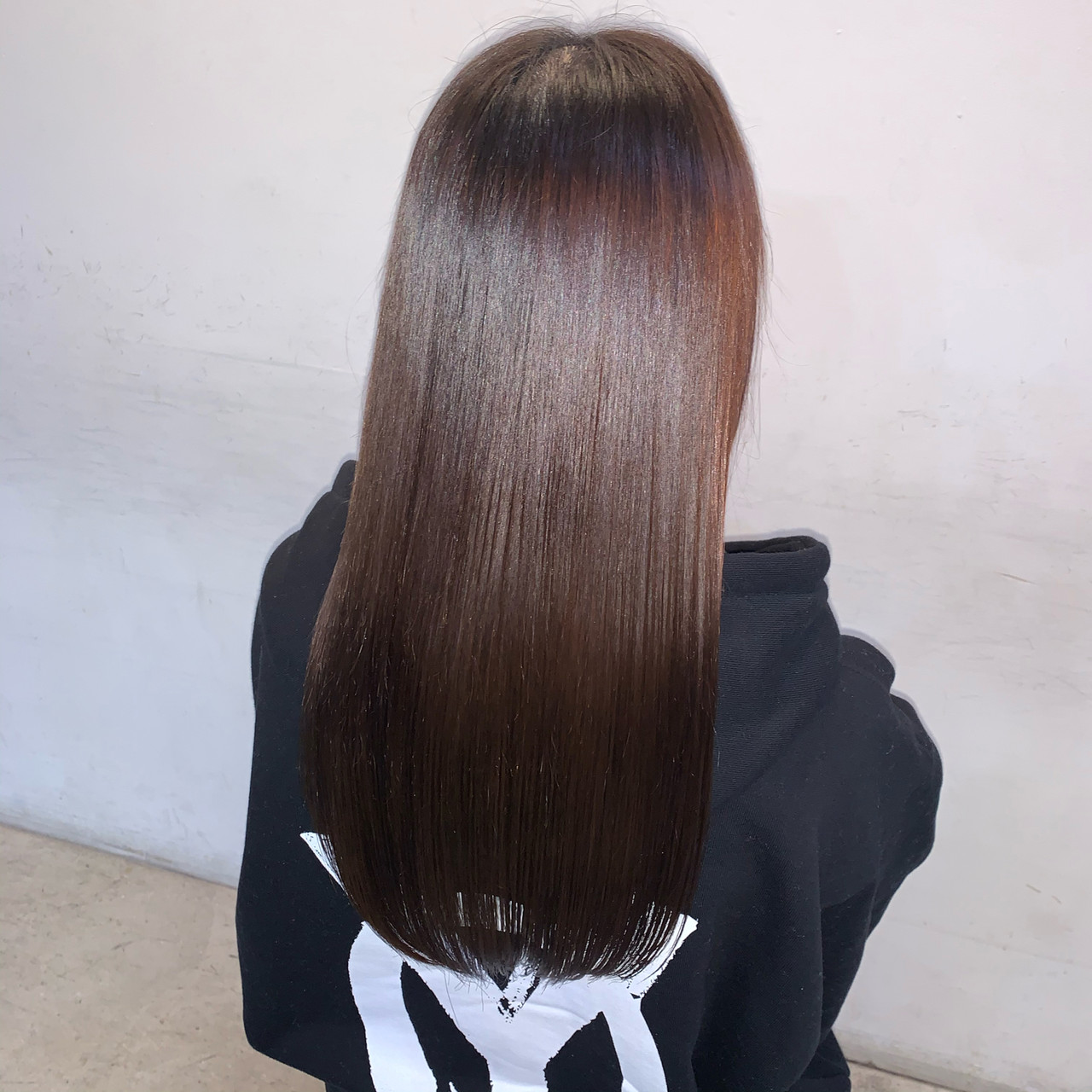 ロング 最新トリートメント ミルクティーアッシュ 髪質改善トリートメントヘアスタイルや髪型の写真・画像