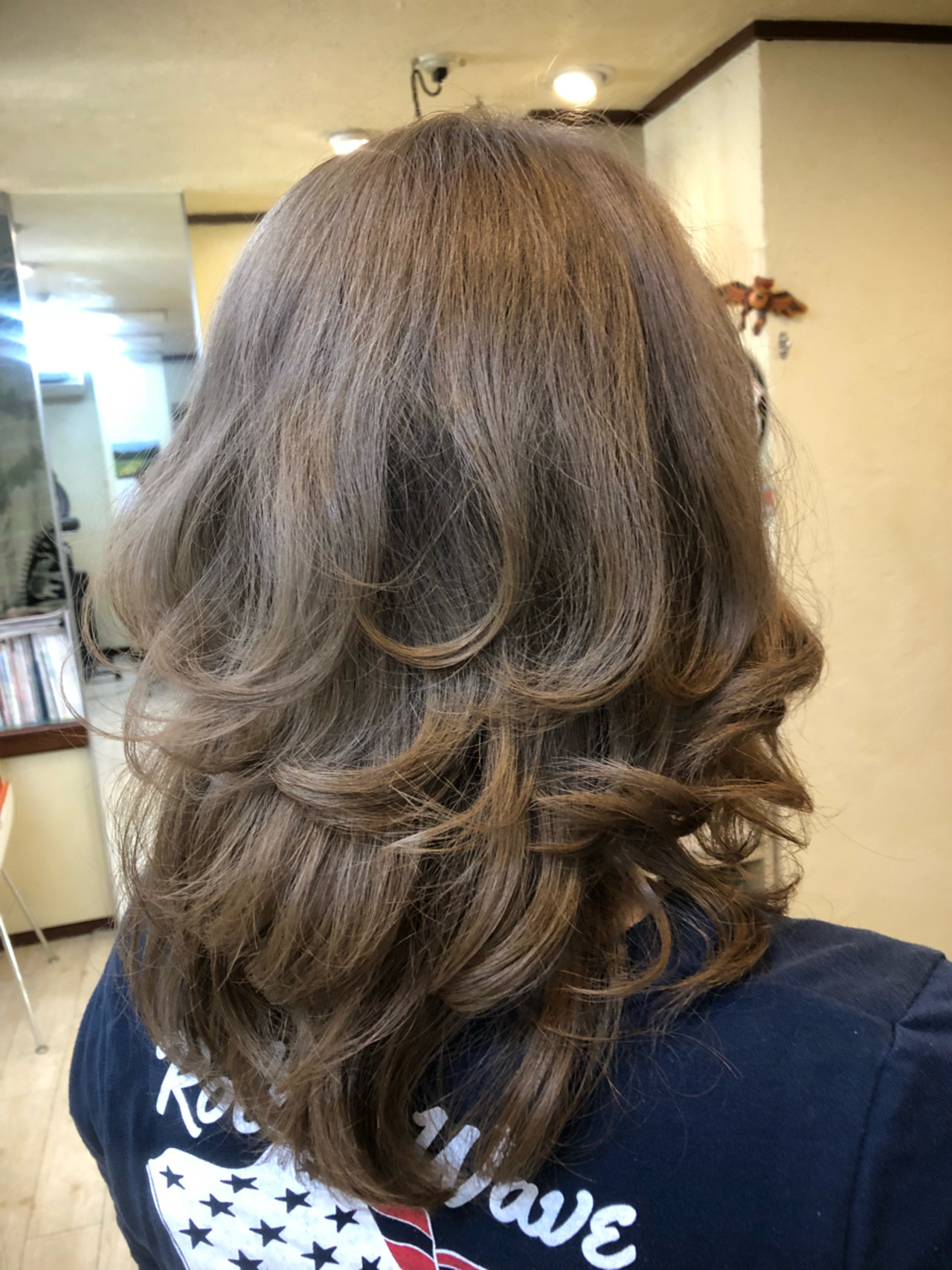 ストリート グレージュ セミロング アッシュ ヘアスタイルや髪型の写真・画像   TMe hair/tomoe chiba / TMe hair川崎小田