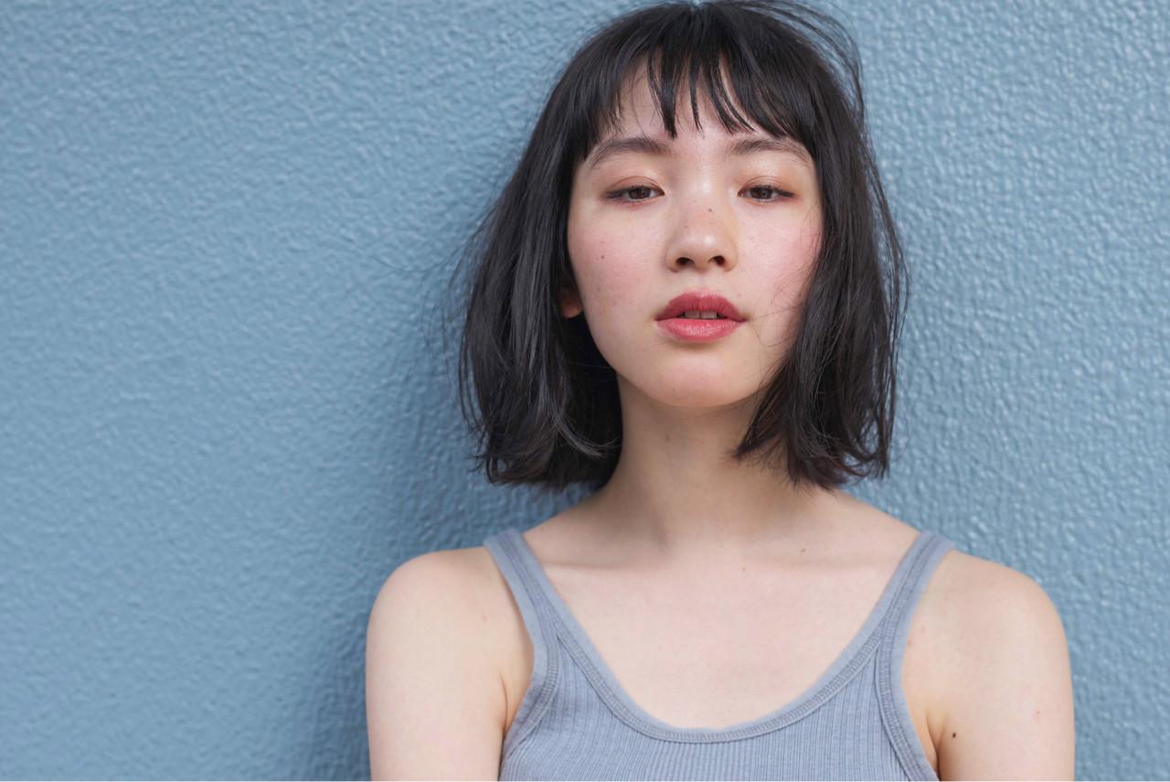 ボブ ウェーブ アンニュイ グレージュ ヘアスタイルや髪型の写真・画像 | 佐脇 正徳 / LOAVE AOYAMA(ローヴ アオヤマ)