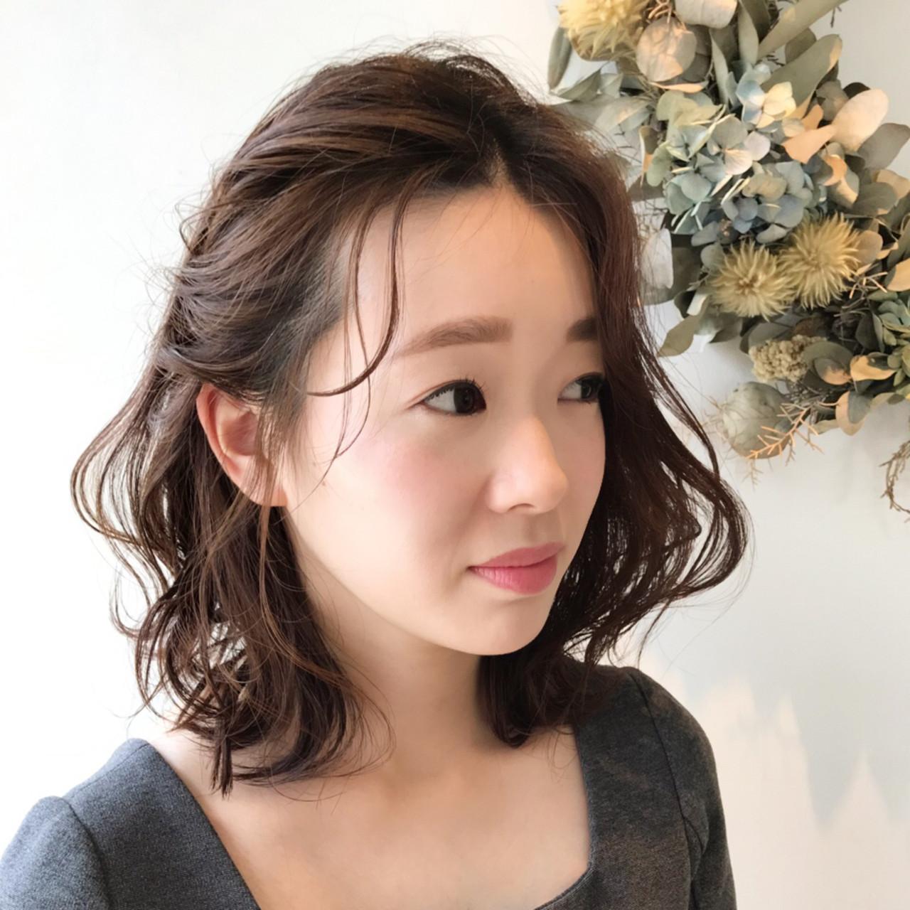 アンニュイほつれヘア フェミニン デート オフィスヘアスタイルや髪型の写真・画像