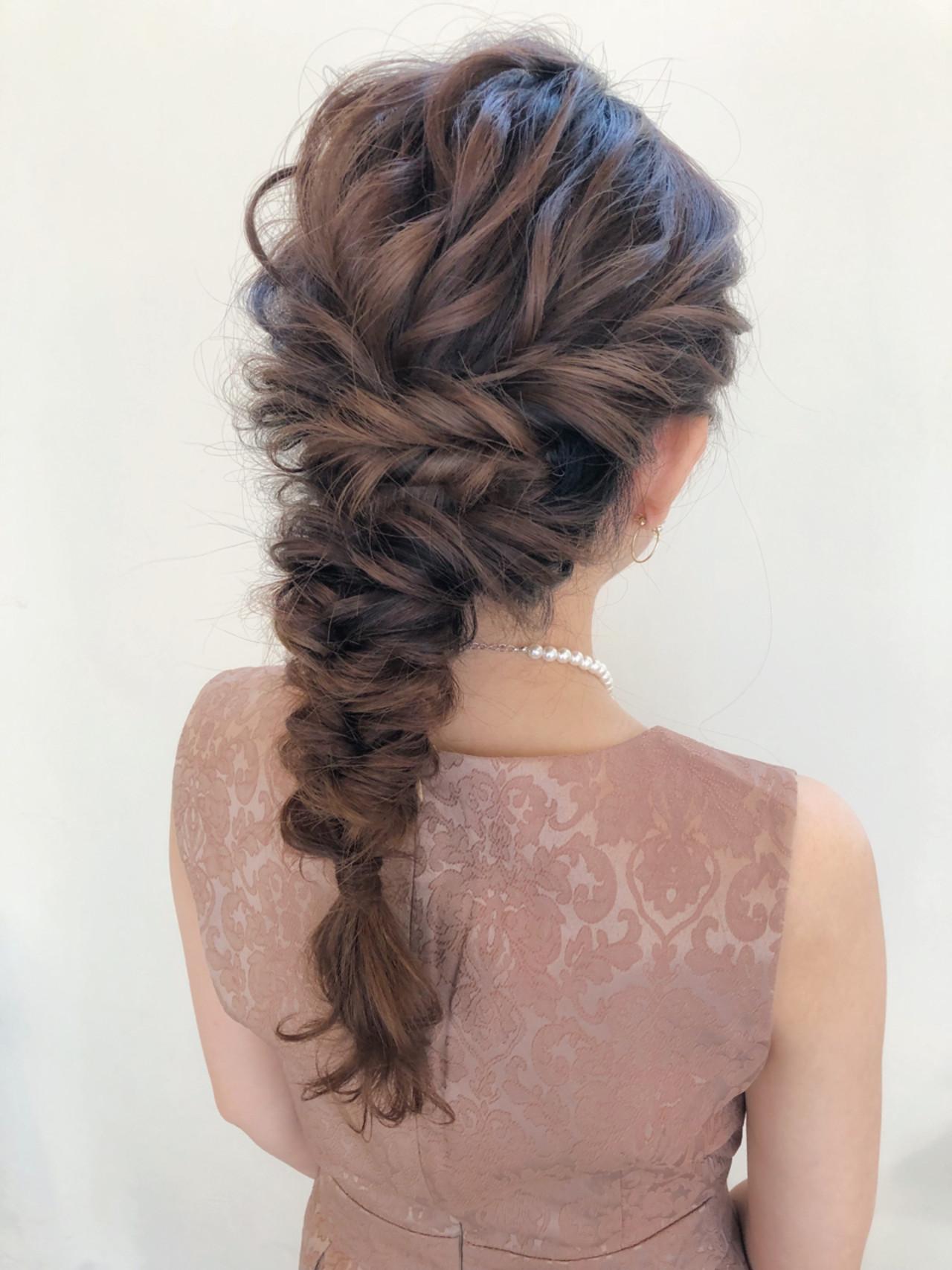 編み込み ヘアアレンジ エレガント セミロングヘアスタイルや髪型の写真・画像