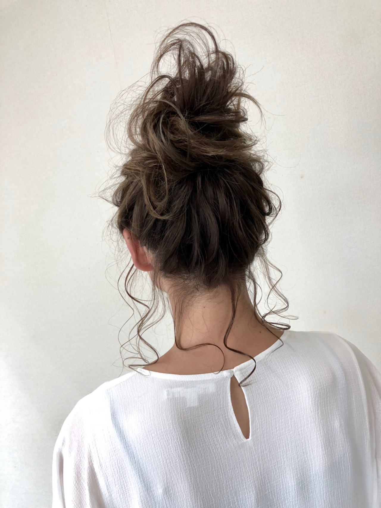 フェミニン ゆるふわ ヘアアレンジ ミディアムヘアスタイルや髪型の写真・画像