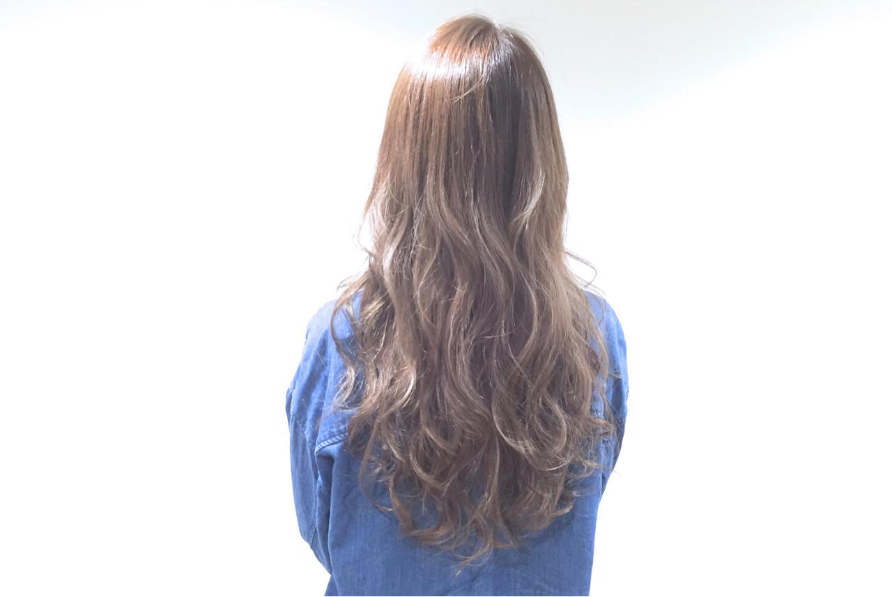ナチュラル グレージュ 外国人風 アッシュ ヘアスタイルや髪型の写真・画像 | seikan / vifkrone hair&beauty