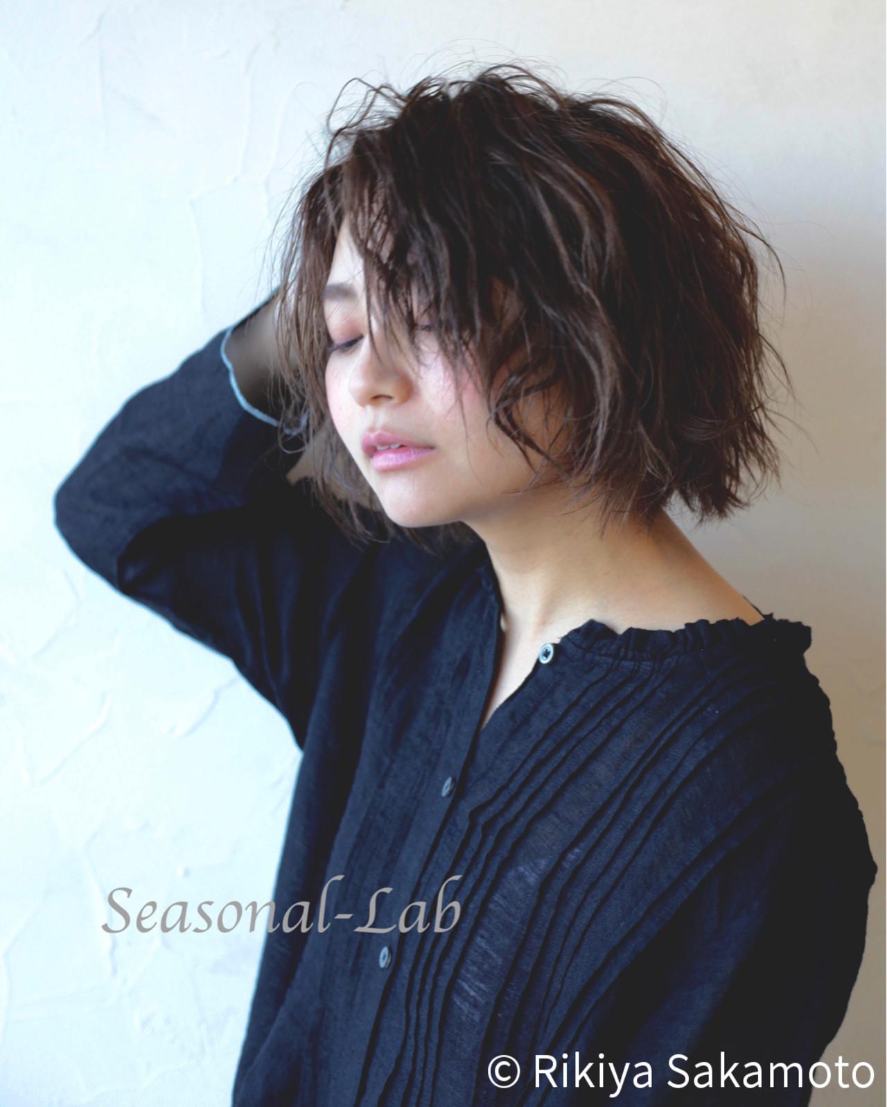 外国人風 暗髪 ダークアッシュ モード ヘアスタイルや髪型の写真・画像 | Rikiya Sakamoto / Seasonal-Lab(旧ディーズガレージ)