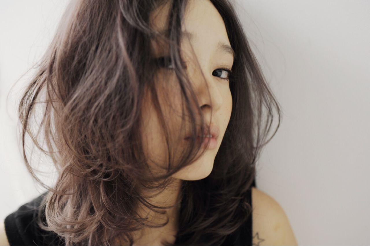 春夏のトレンドカラーはブラック!シックなコーディネートに似合うヘアスタイルとは…? 細井 豊 / HEAVENS