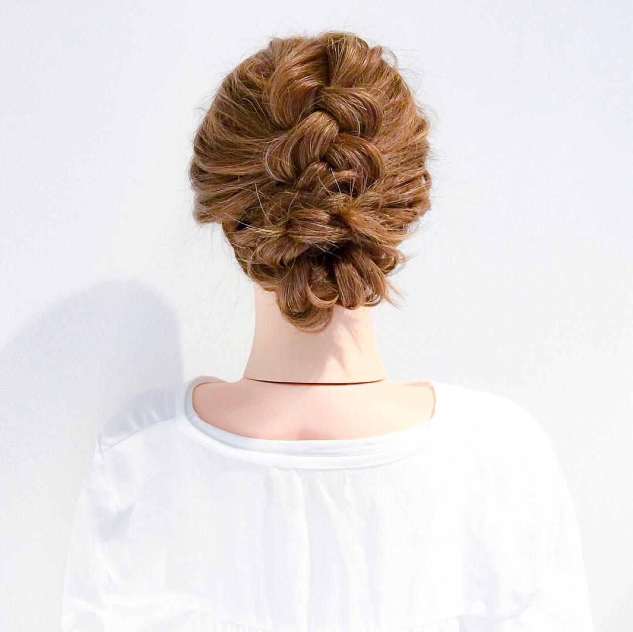編み込み 謝恩会 大人女子 フェミニンヘアスタイルや髪型の写真・画像