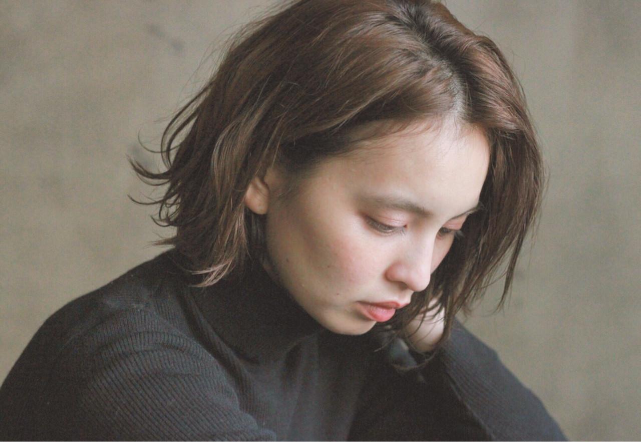 外国人風 暗髪 ボブ ナチュラル ヘアスタイルや髪型の写真・画像 | 冨永 真太郎 / 人トナリ