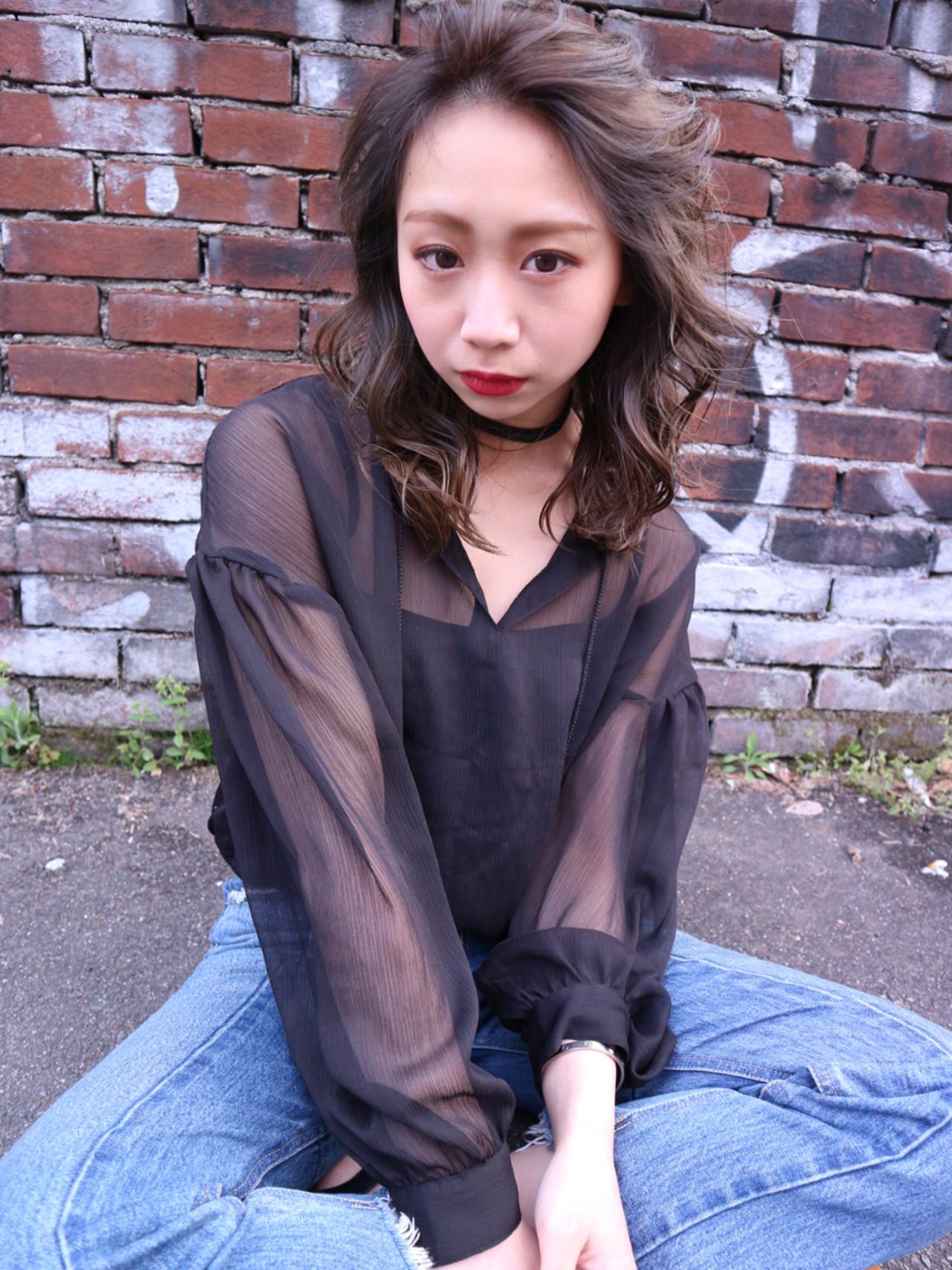 ブルージュ アッシュ 外国人風カラー 小顔 ヘアスタイルや髪型の写真・画像 | Takashi Tetone / SHIKIO HAIR DESIGN