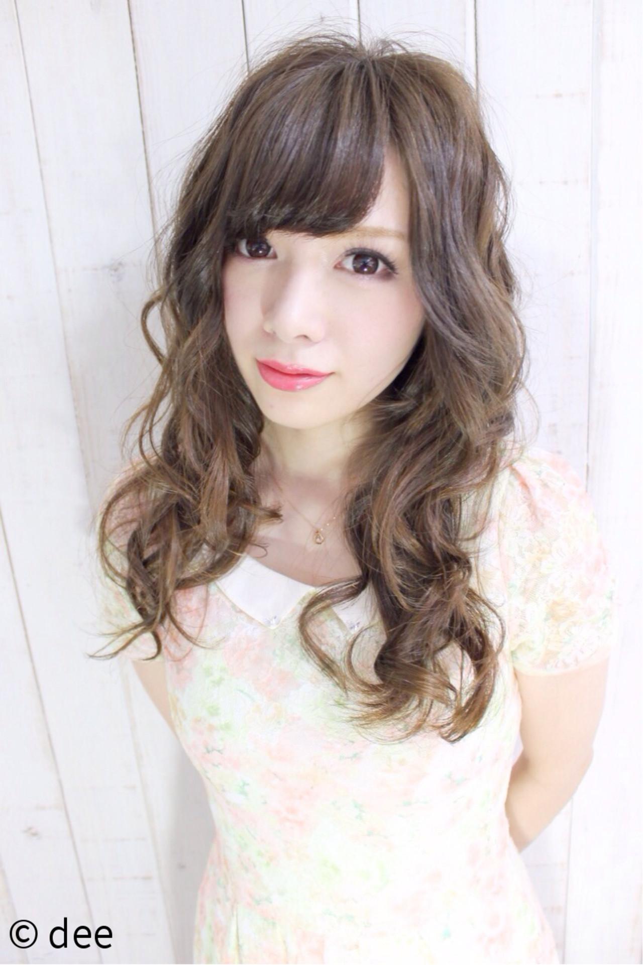 ナチュラル モテ髪 アッシュ ロング ヘアスタイルや髪型の写真・画像   dee / dee