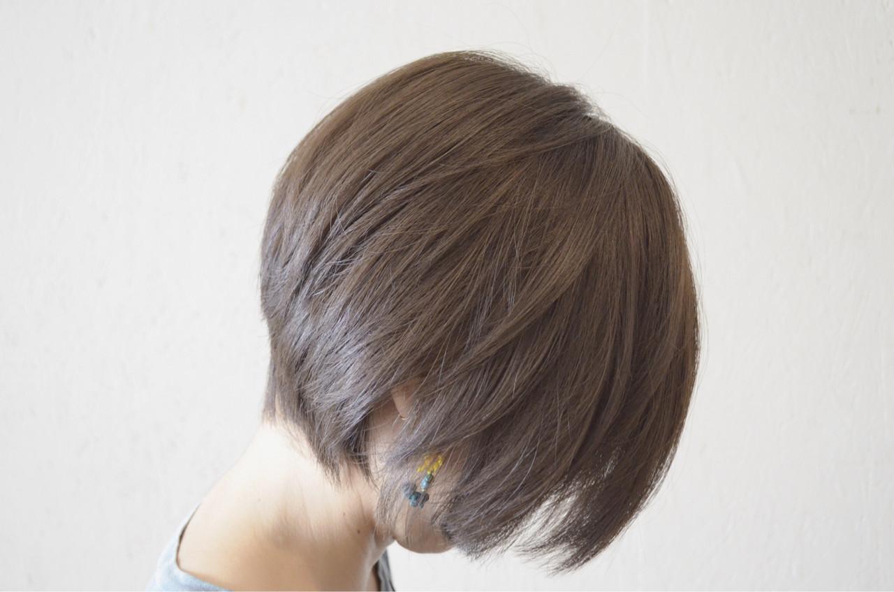 前下がり アッシュ ショート ラベンダーアッシュヘアスタイルや髪型の写真・画像