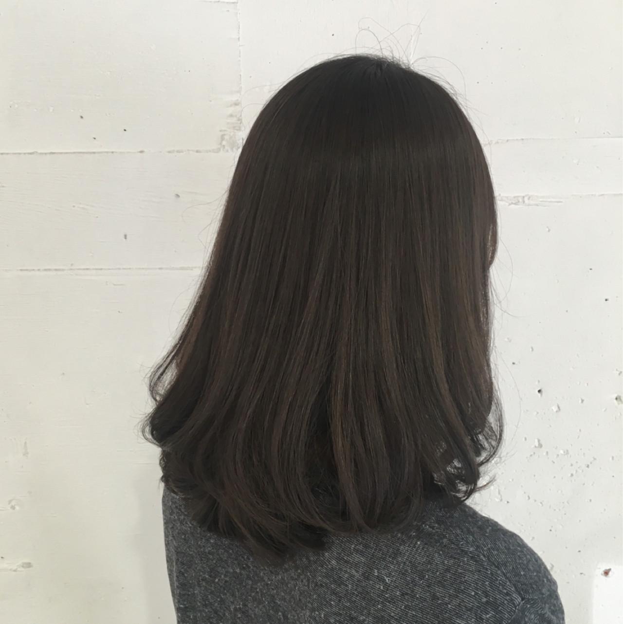 アッシュグレージュ ボブ 外国人風 ナチュラル ヘアスタイルや髪型の写真・画像 | 鈴木 謙太 / HAIRLOGY