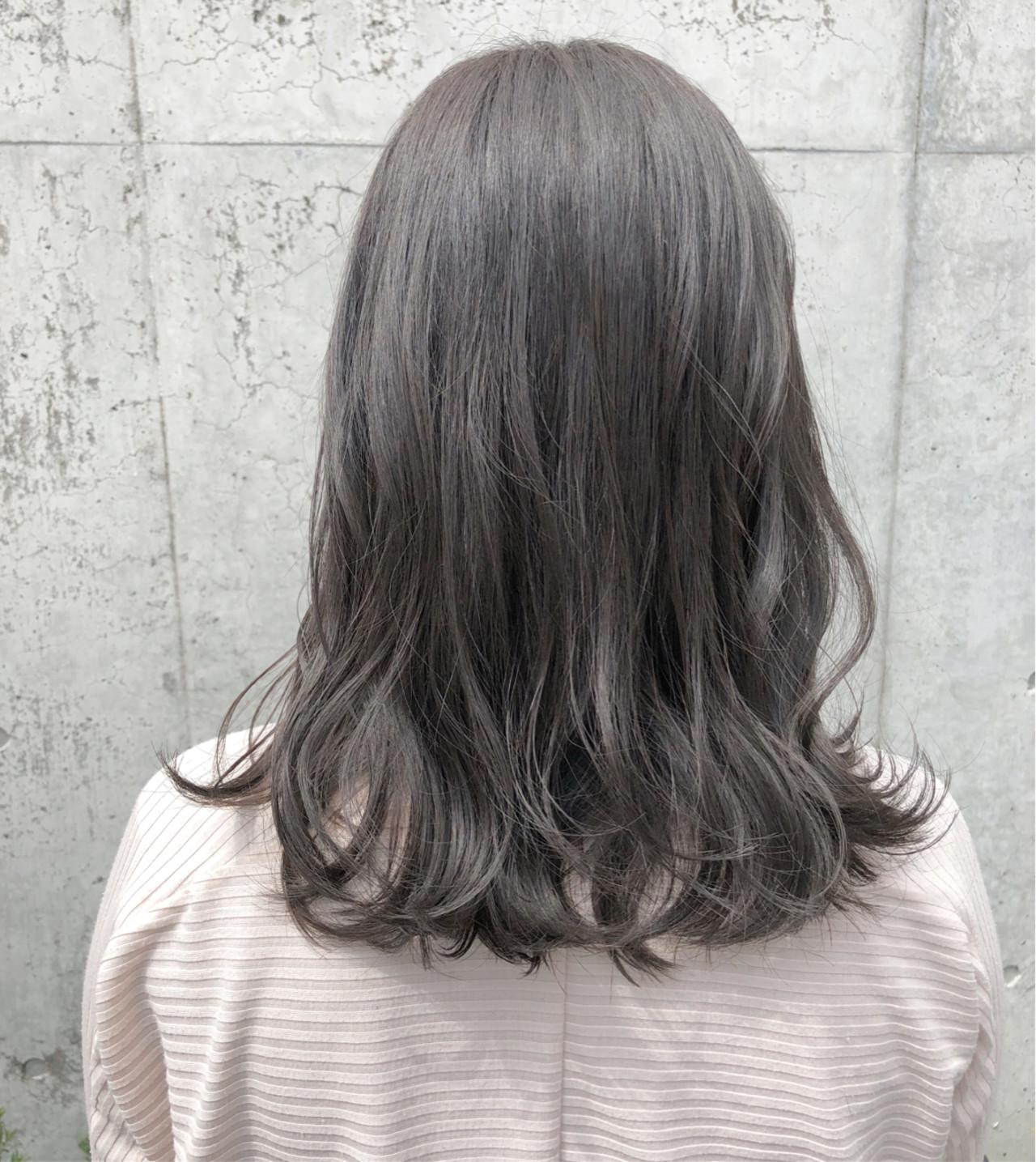 ナチュラル ハイライト セミロングヘアスタイルや髪型の写真・画像