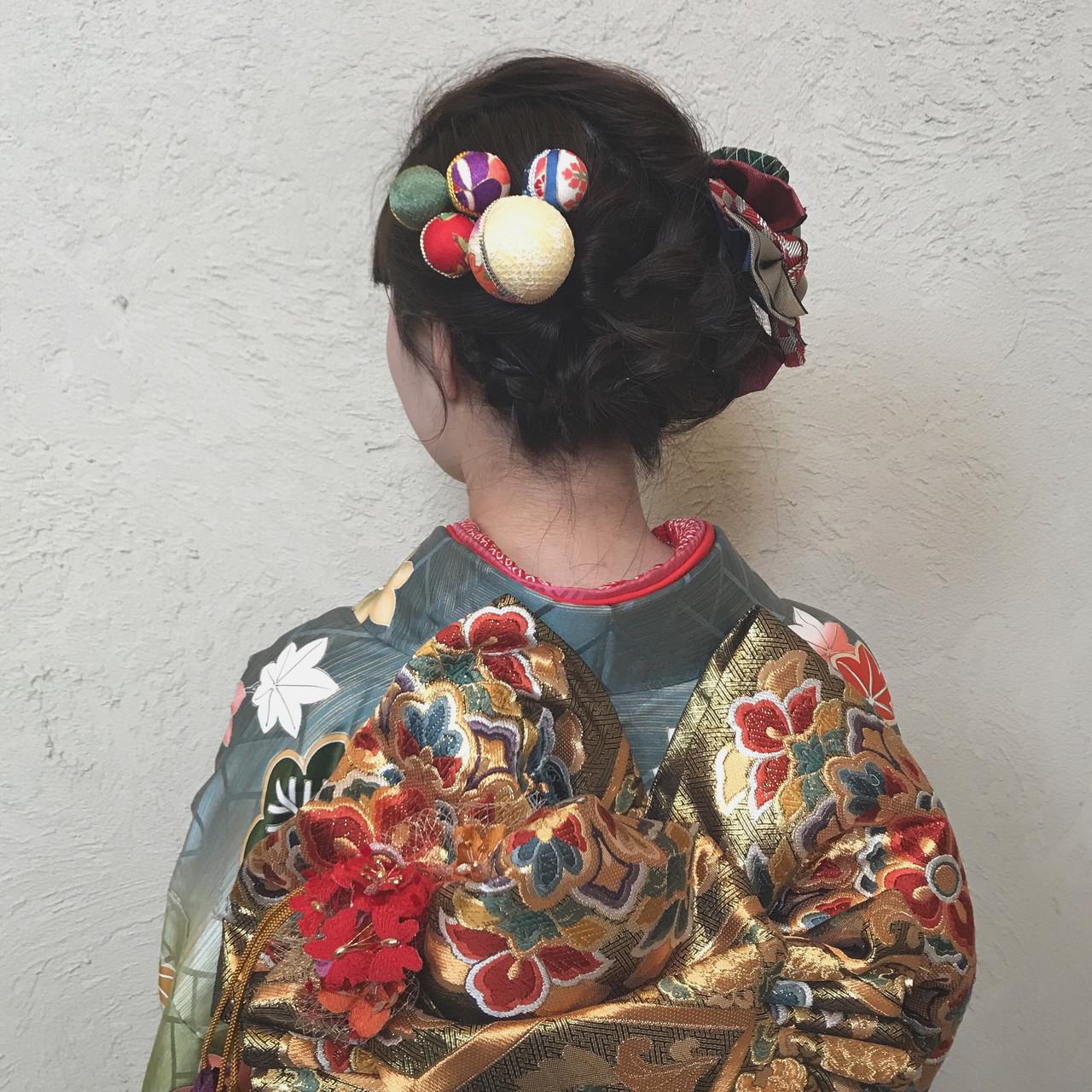 暗髪女子 編み込みヘア ガーリー 成人式 ヘアスタイルや髪型の写真・画像 | 石井 美那 / BERAg hair