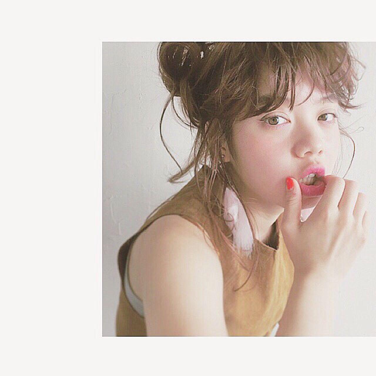 ロング 抜け感 アッシュベージュ 外国人風 ヘアスタイルや髪型の写真・画像 | 米澤 香央里 / SYAN