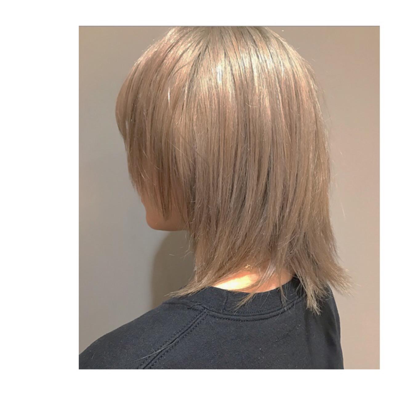 ハイトーン ミディアム ストリート ブロンドカラー ヘアスタイルや髪型の写真・画像 | Rie Akita / LOAVE omotesando