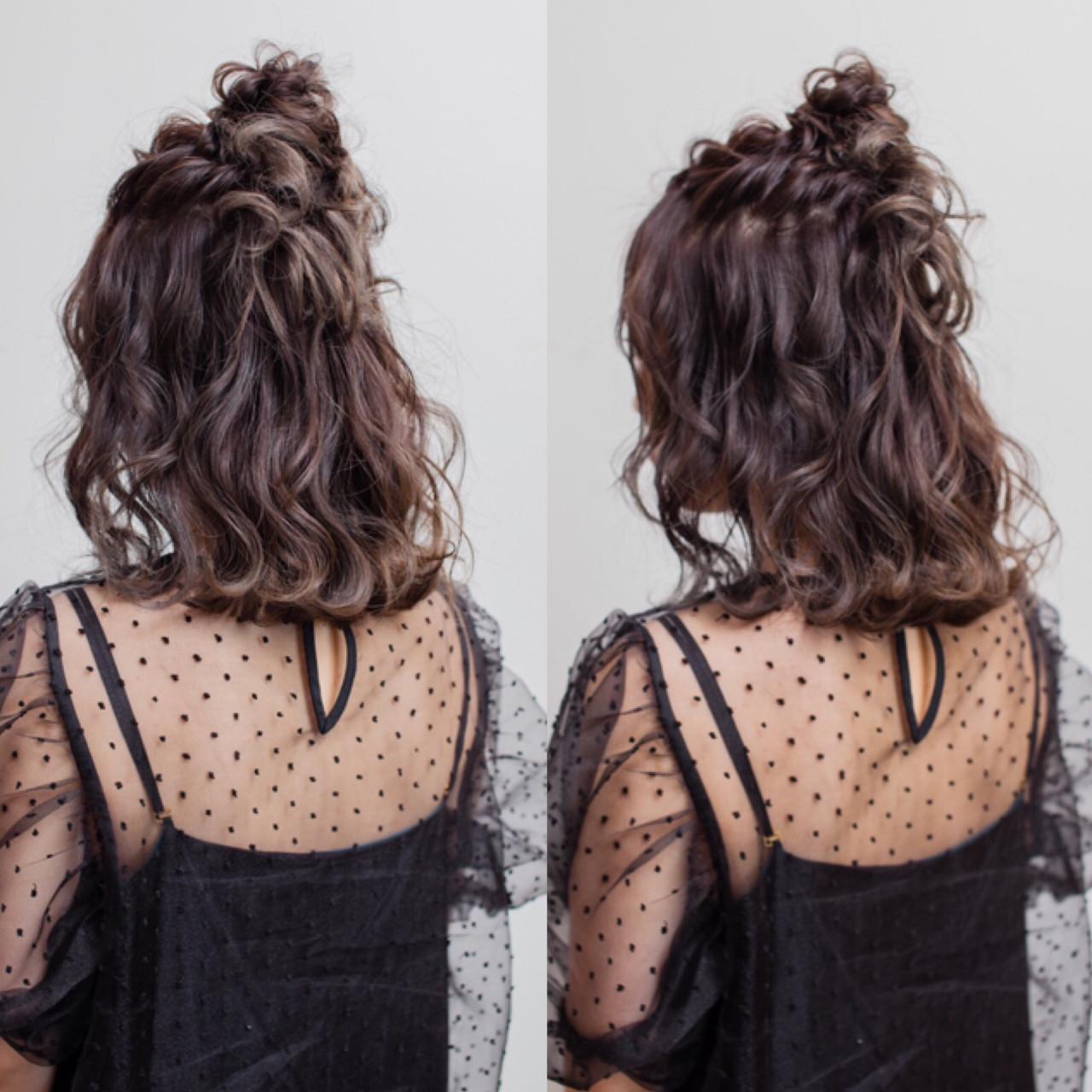 フェミニン お団子 ミディアム ヘアアレンジ ヘアスタイルや髪型の写真・画像 | 宮本 英里香 /
