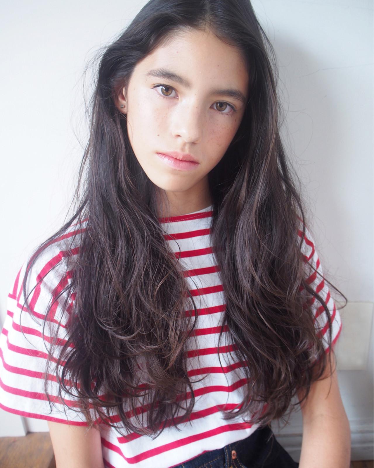 アッシュ ロング ナチュラル 外国人風 ヘアスタイルや髪型の写真・画像 | 鈴木 成治 / LOAVE AOYAMA(ローヴ アオヤマ)