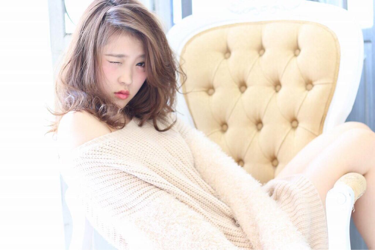 ミディアム ゆるふわ コンサバ フェミニン ヘアスタイルや髪型の写真・画像 | yuki /
