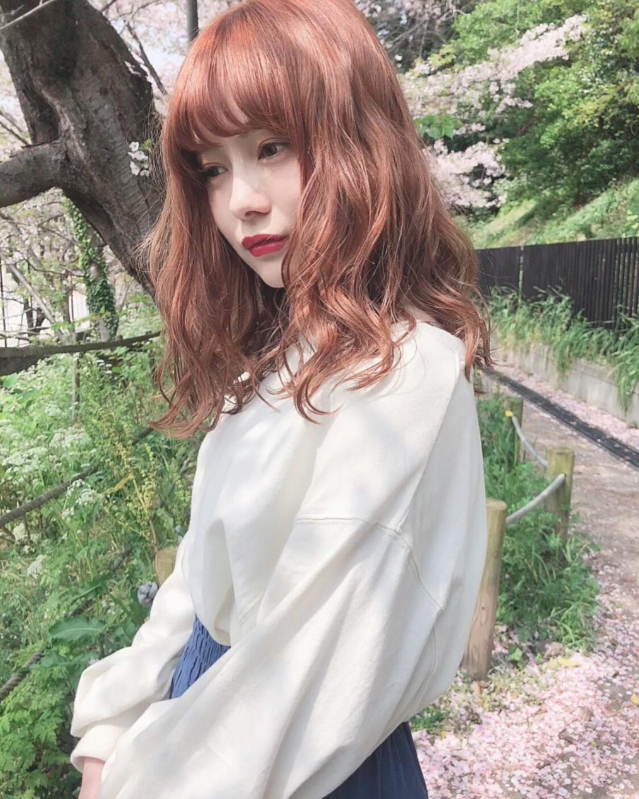 アプリコットオレンジ ロング ナチュラル オレンジベージュヘアスタイルや髪型の写真・画像