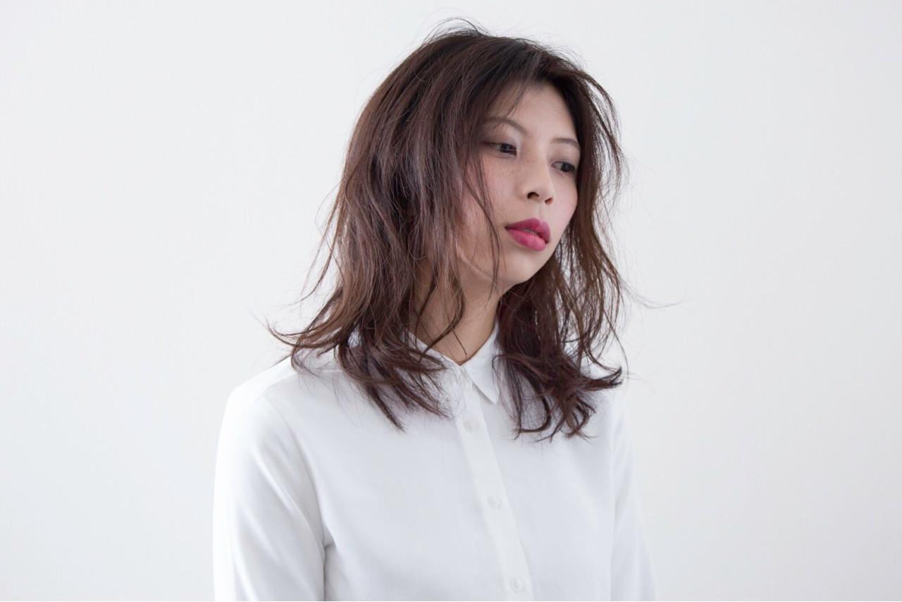 くせ毛風 ナチュラル きれいめ 抜け感 ヘアスタイルや髪型の写真・画像 | 556 /