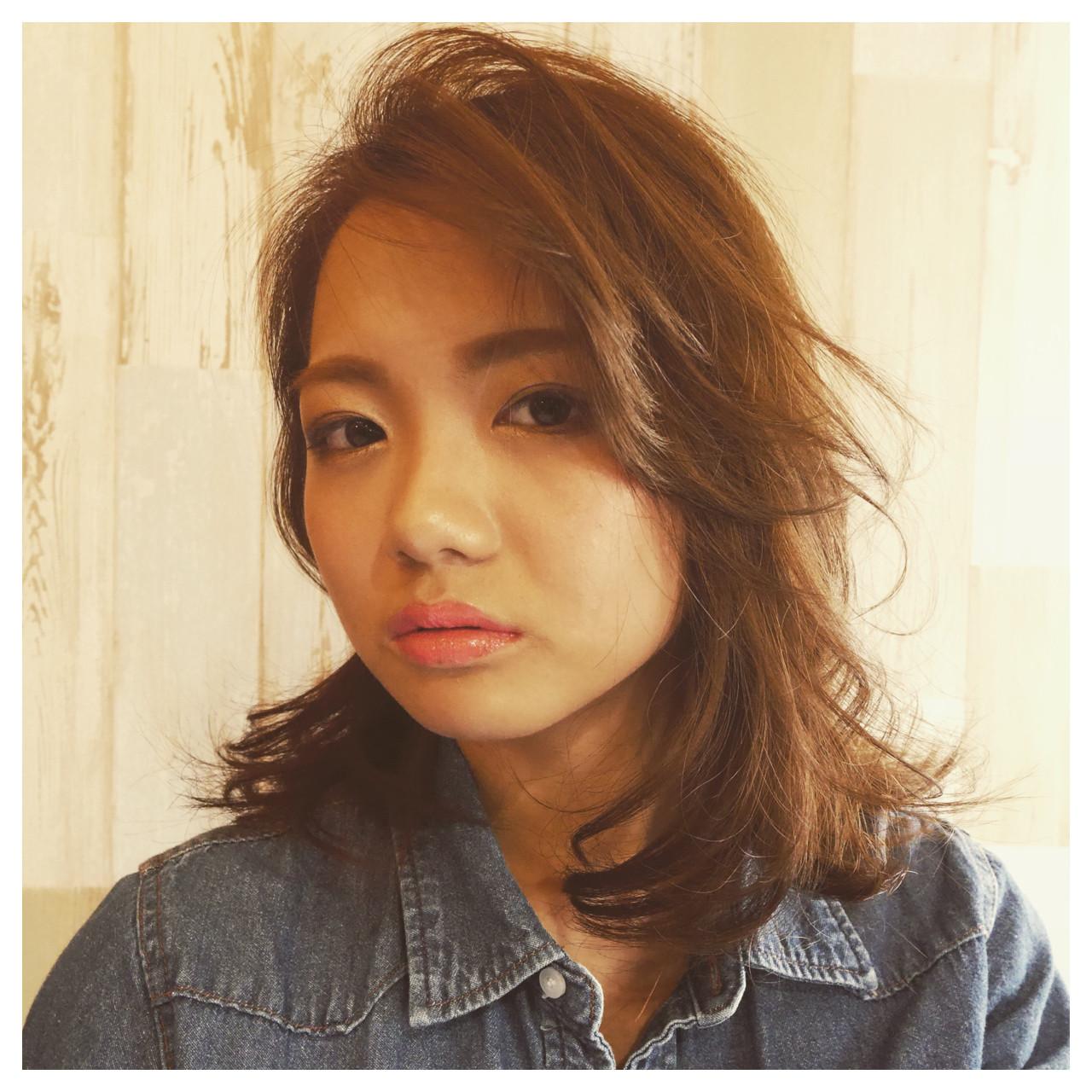 ミディアム かき上げ前髪 前髪あり 伸ばしかけ ヘアスタイルや髪型の写真・画像 | Mamiji / Y's home