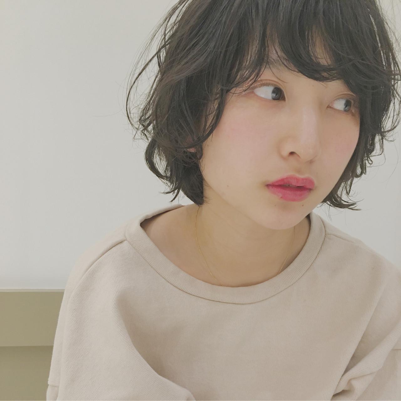 ガーリー 暗髪 外国人風 パーマ ヘアスタイルや髪型の写真・画像   hashimoto/LOUIE / LOUIE