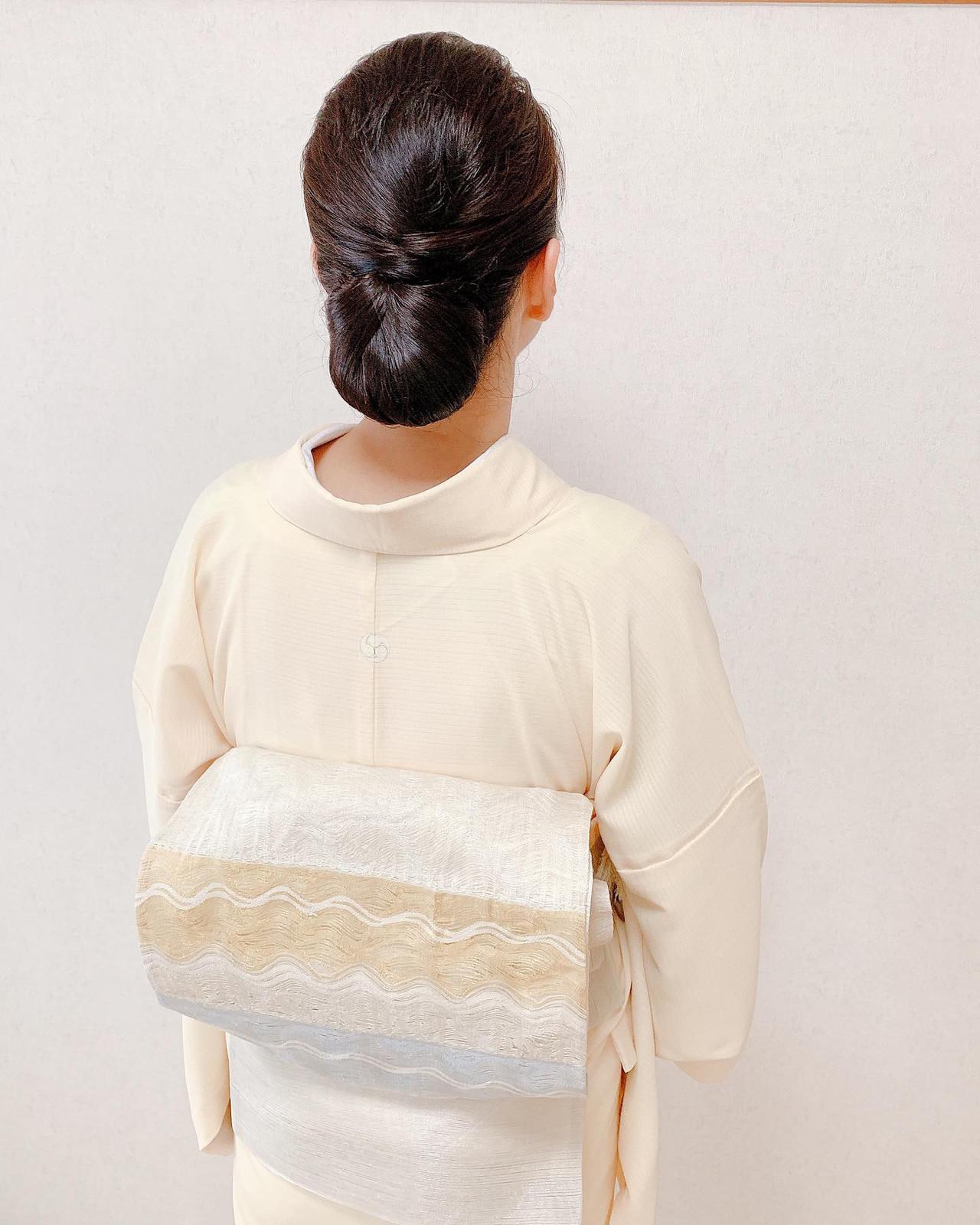 シニヨン 黒髪 ロング 訪問着 ヘアスタイルや髪型の写真・画像 | Moriyama Mami / 福岡天神ヘアセット・着付け専門店【Three-keys】