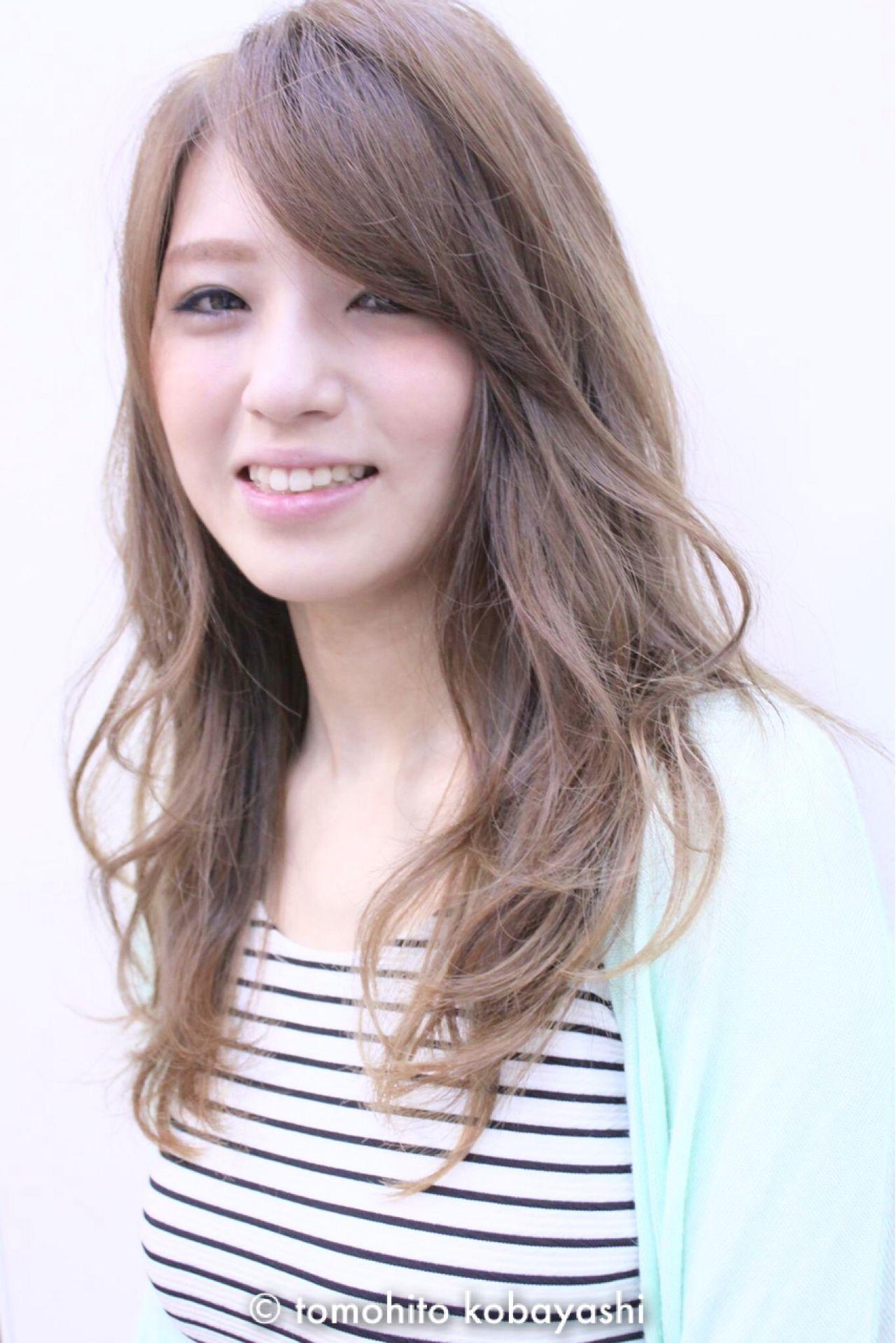ナチュラル グラデーションカラー 外国人風 ロング ヘアスタイルや髪型の写真・画像 | tomohito kobayashi / 6月に独立します