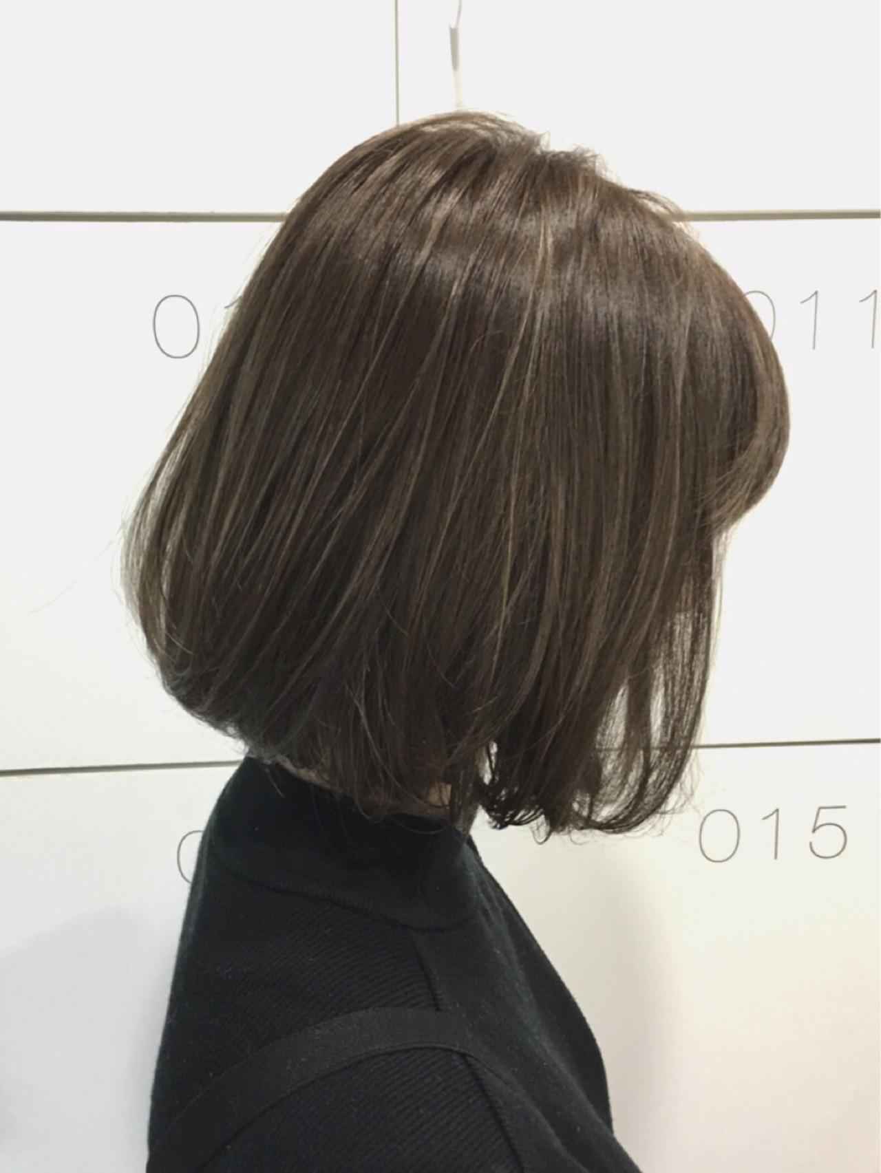 ナチュラル アッシュグレー グレージュ アッシュグレージュヘアスタイルや髪型の写真・画像