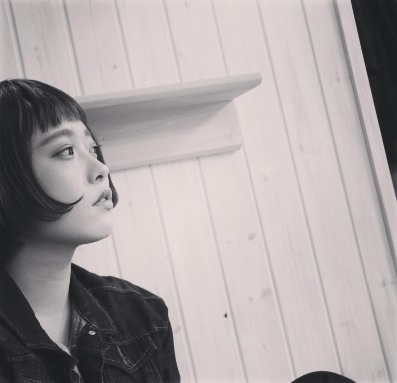 外国人風 ショートバング ショート マッシュヘアスタイルや髪型の写真・画像