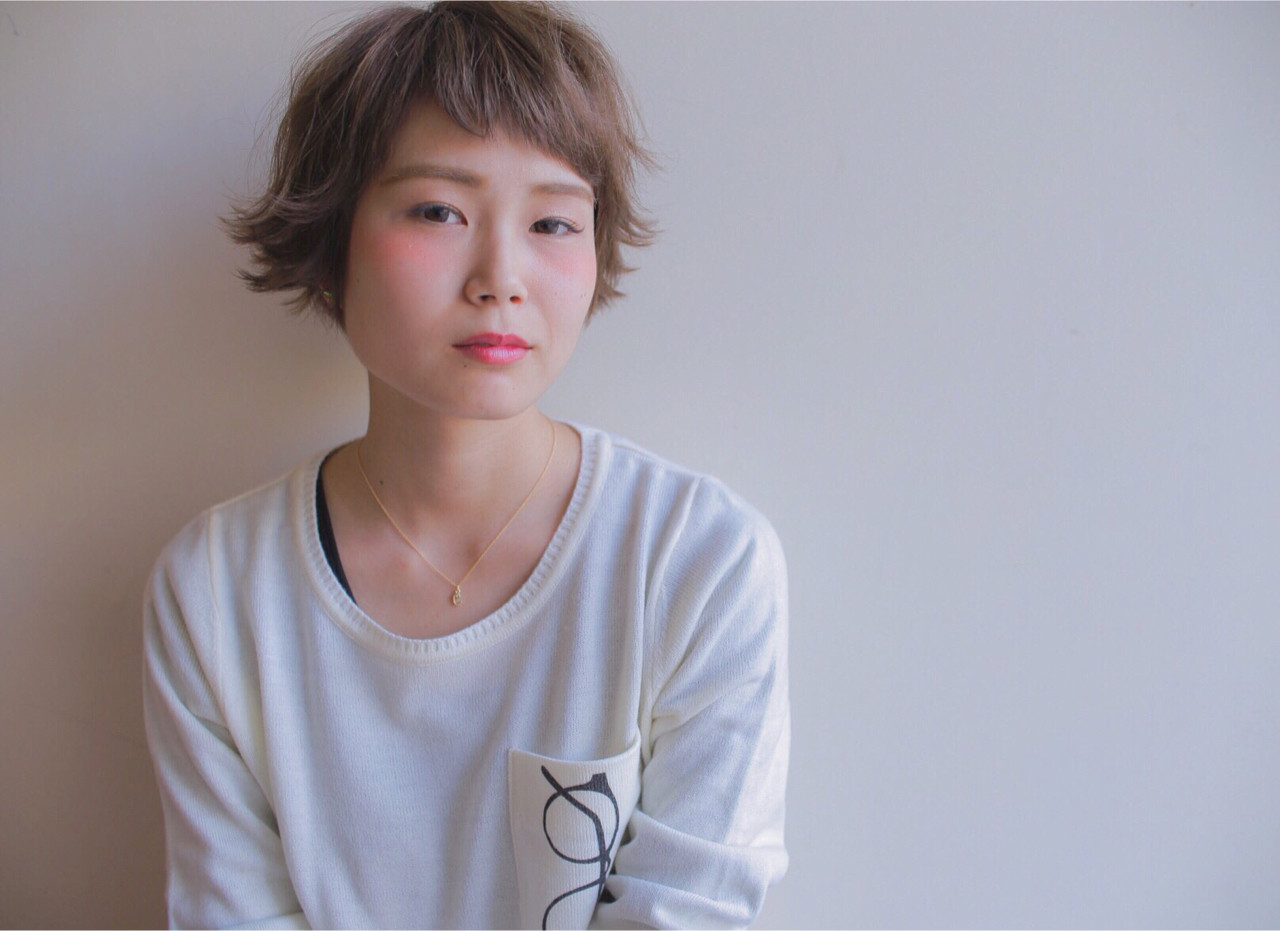外国人風 ショート 簡単ヘアアレンジ アッシュ ヘアスタイルや髪型の写真・画像 | 柴田泰志 / magnethairTrust