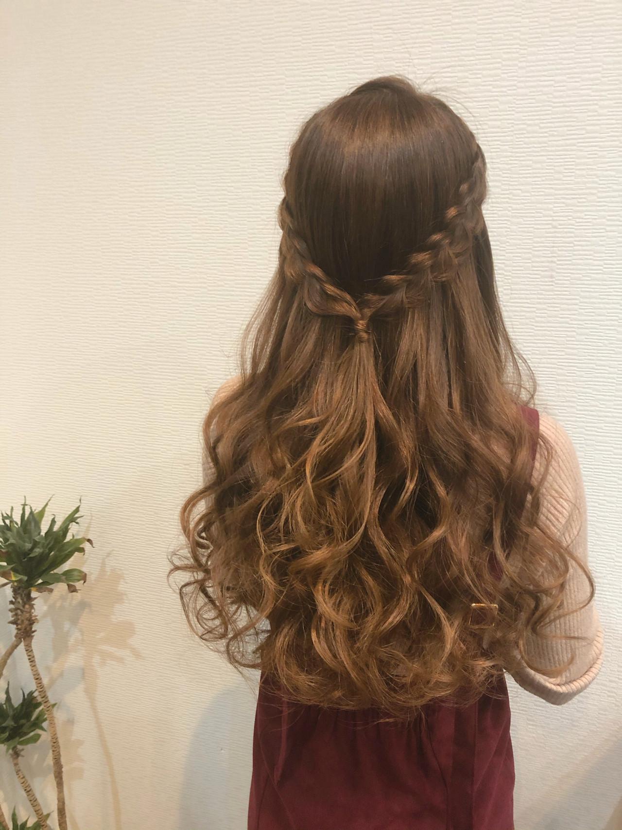 編み込み フェミニン 結婚式 ハーフアップ ヘアスタイルや髪型の写真・画像