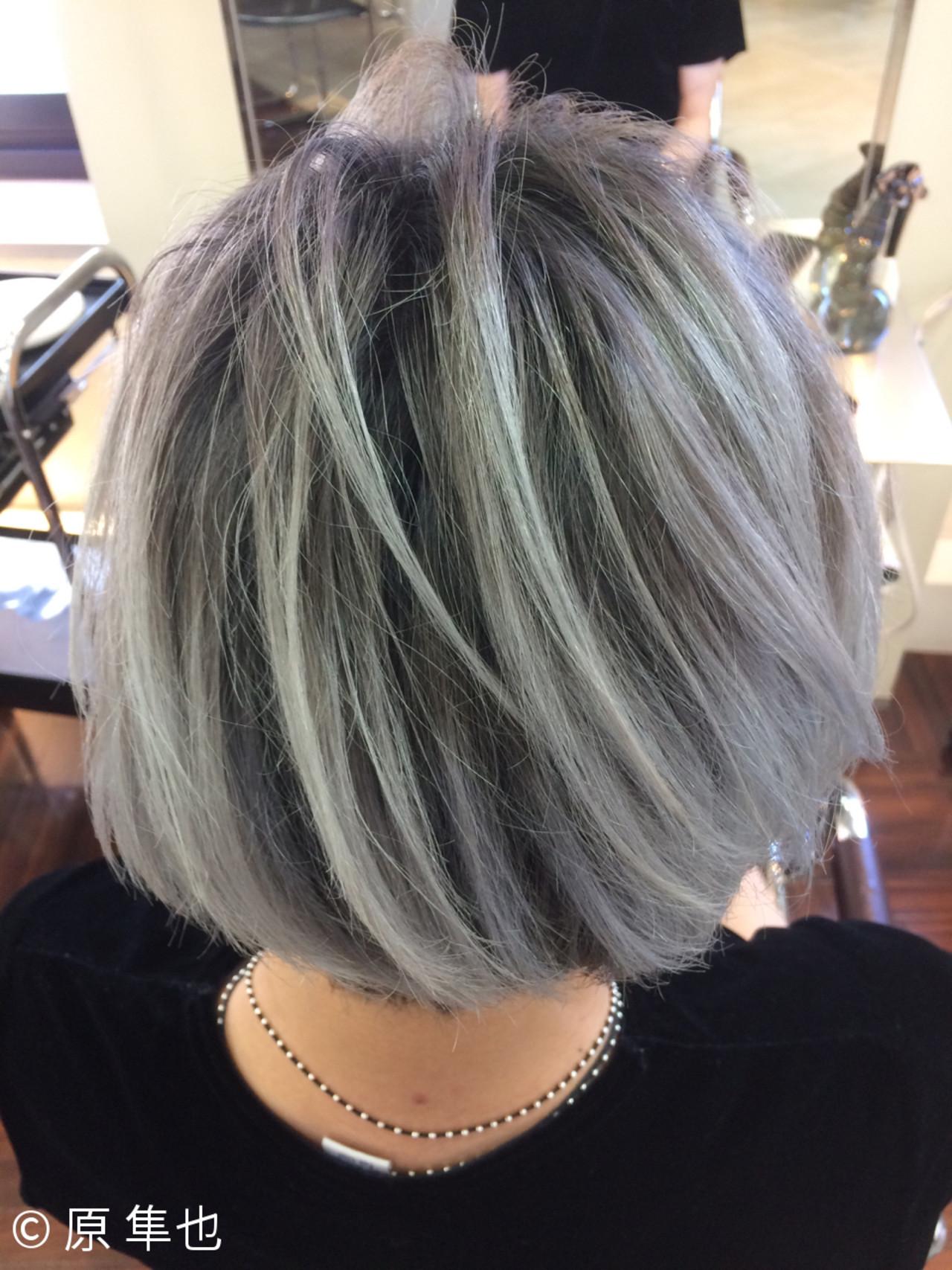 外国人風 暗髪 グラデーションカラー ショートヘアスタイルや髪型の写真・画像