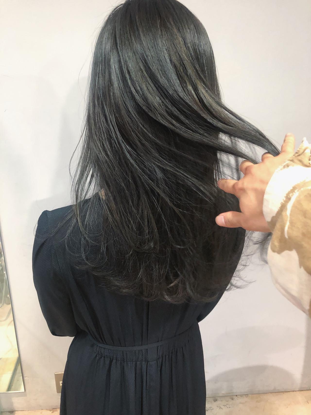 グレージュ ナチュラル 就活 ブルージュヘアスタイルや髪型の写真・画像