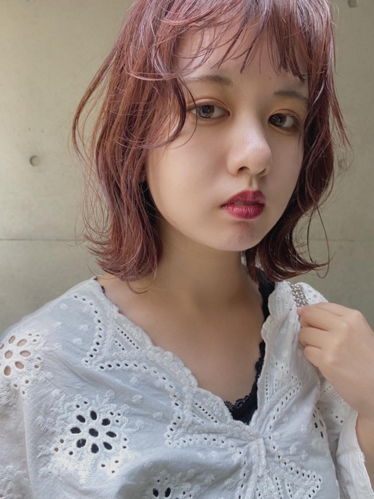 ピンクベージュ 切りっぱなしボブ ナチュラル ピンク ヘアスタイルや髪型の写真・画像 | hoshiko dai / Retaaan