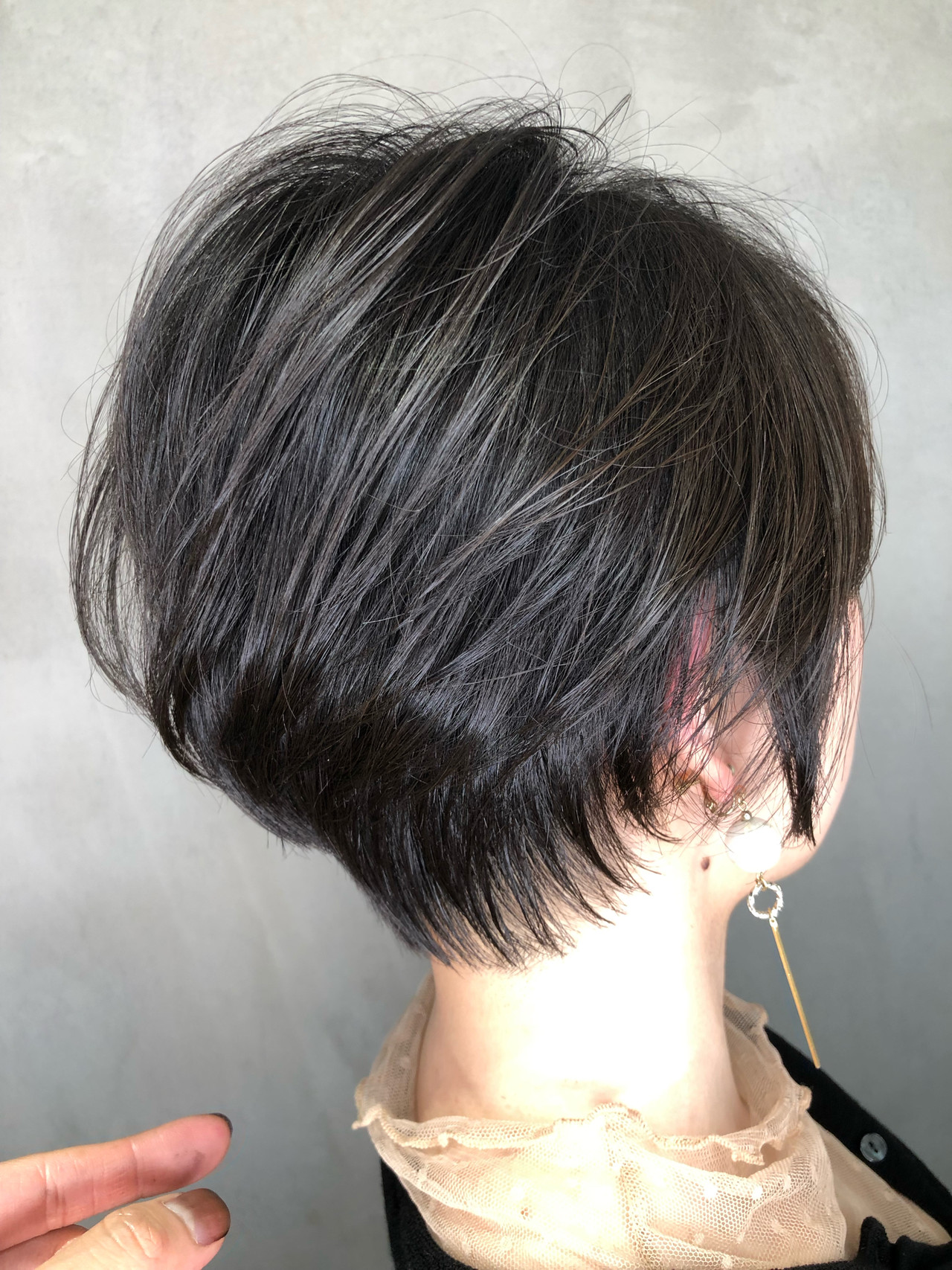 小顔ショート オフィス ハンサムショート ショートボブ ヘアスタイルや髪型の写真・画像 | 筒井 隆由 / Hair salon mode