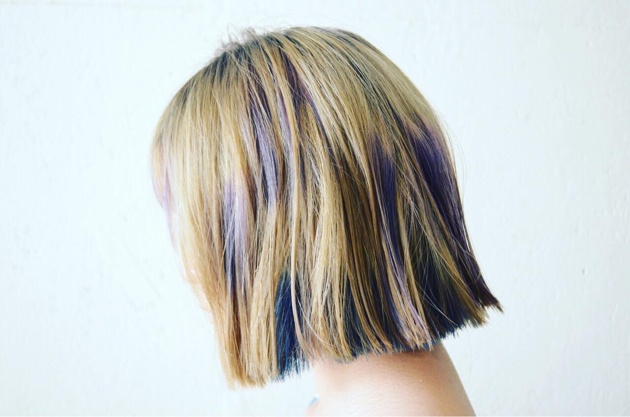 カラフルカラー 外ハネ ビビッドカラー モードヘアスタイルや髪型の写真・画像