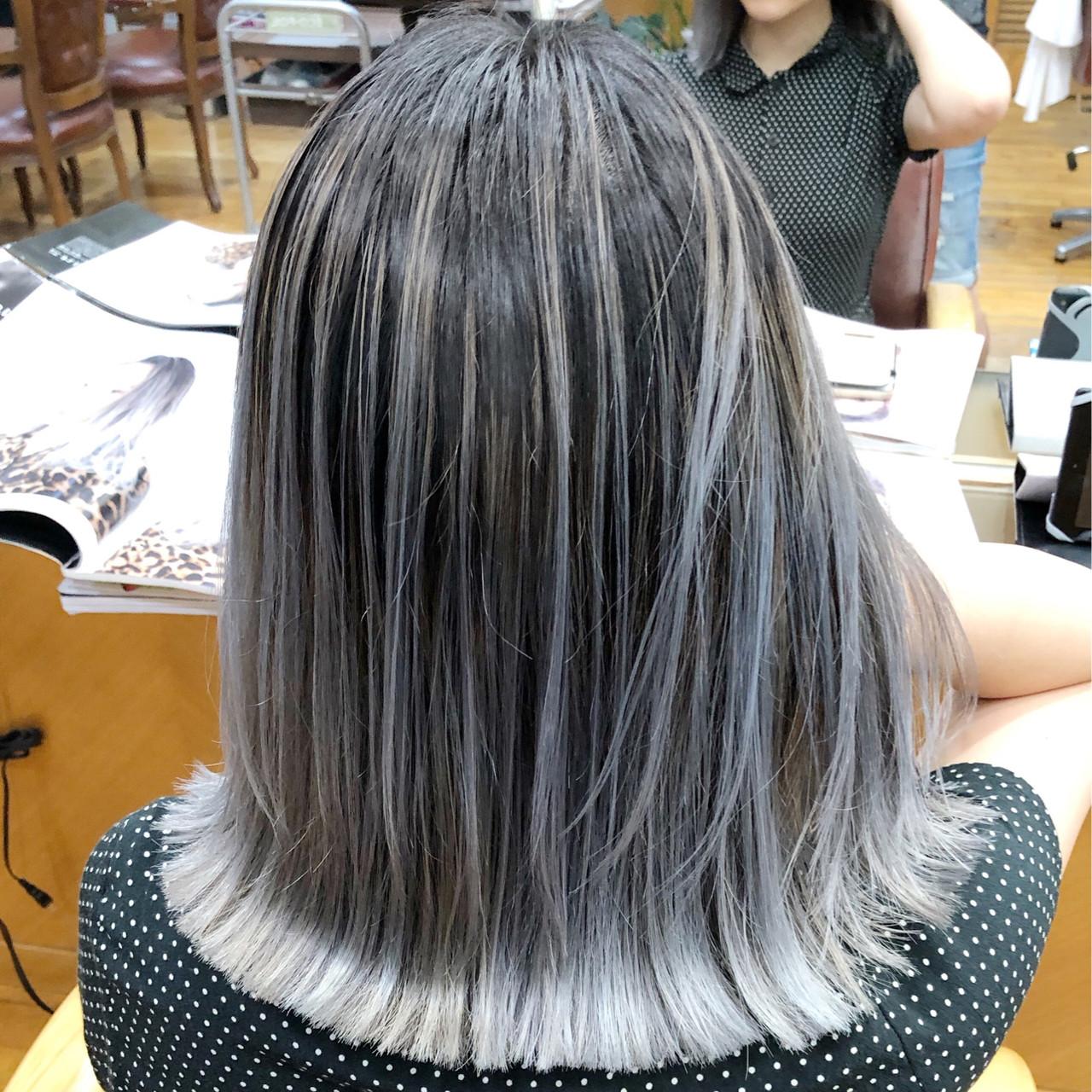 ホワイトブリーチ フェミニン アッシュグレー 外国人風カラー ヘアスタイルや髪型の写真・画像 | 蝦名貴之 / KINTARO