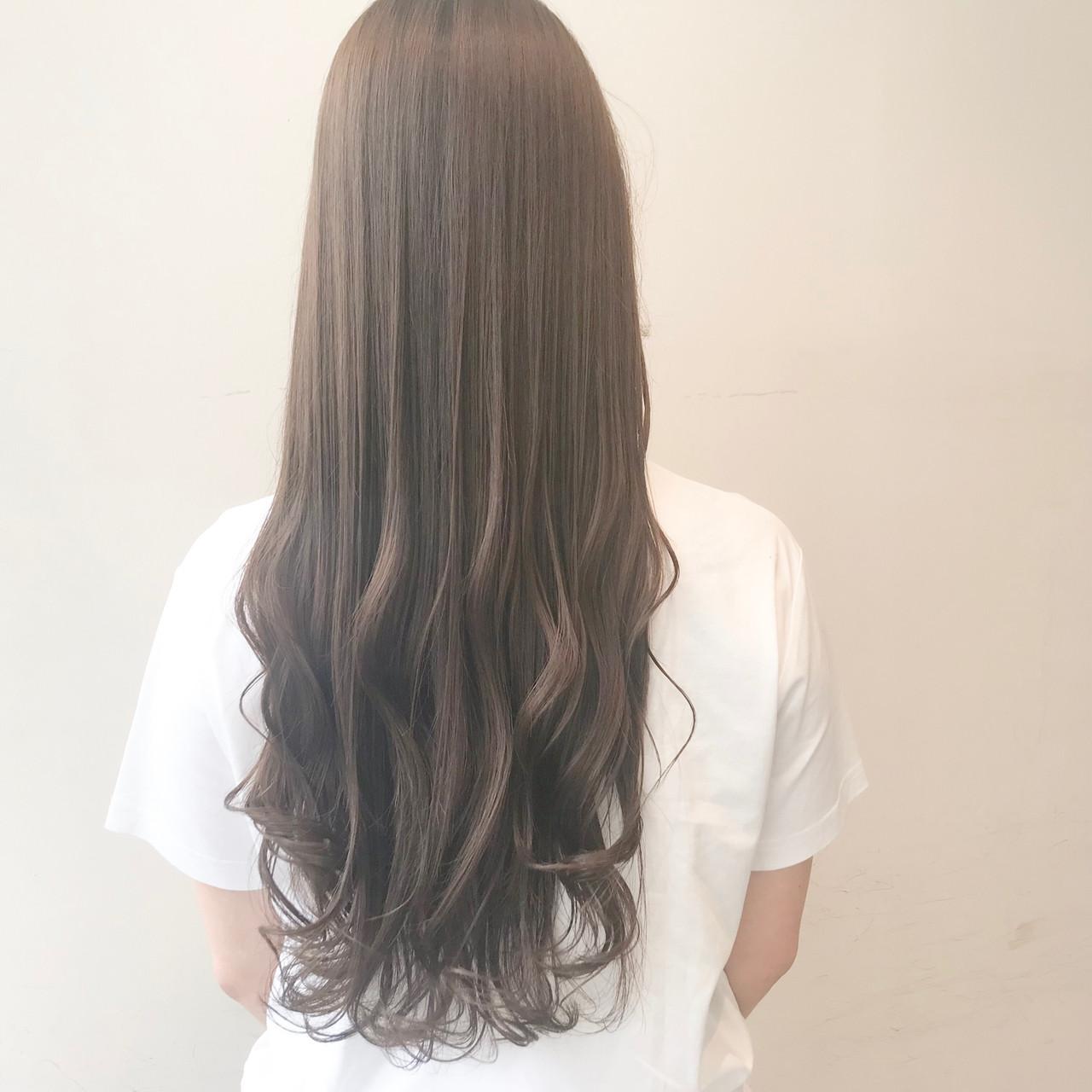 透明感カラー ブリーチ無し ミルクティーグレージュ ロング ヘアスタイルや髪型の写真・画像 | 村西 郁人 / rue