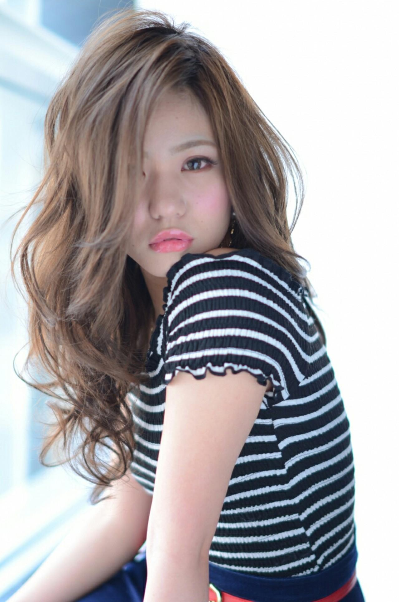 外国人風 セミロング 愛され モードヘアスタイルや髪型の写真・画像