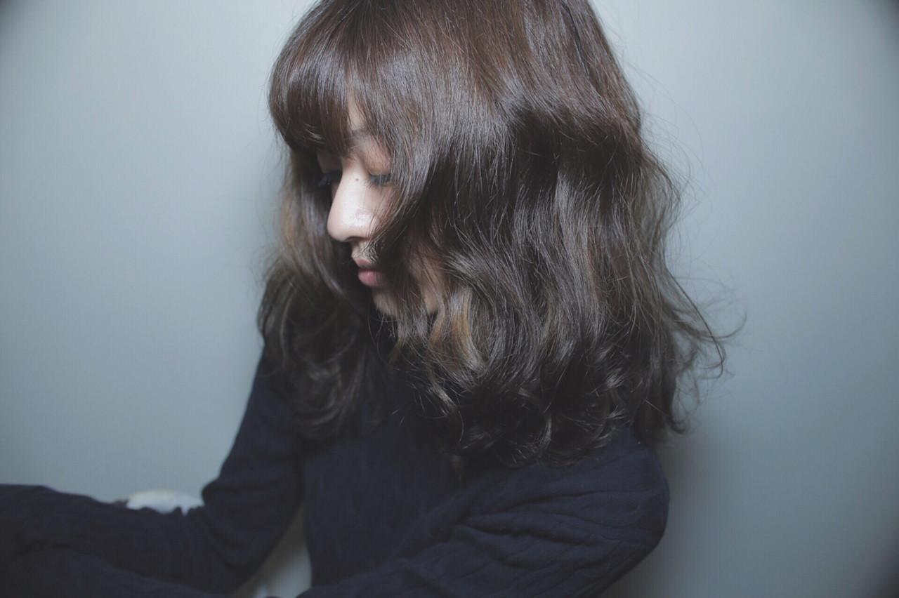 グレージュ ナチュラル 外国人風 グラデーションカラー ヘアスタイルや髪型の写真・画像 | 柴田泰志 / magnethairTrust