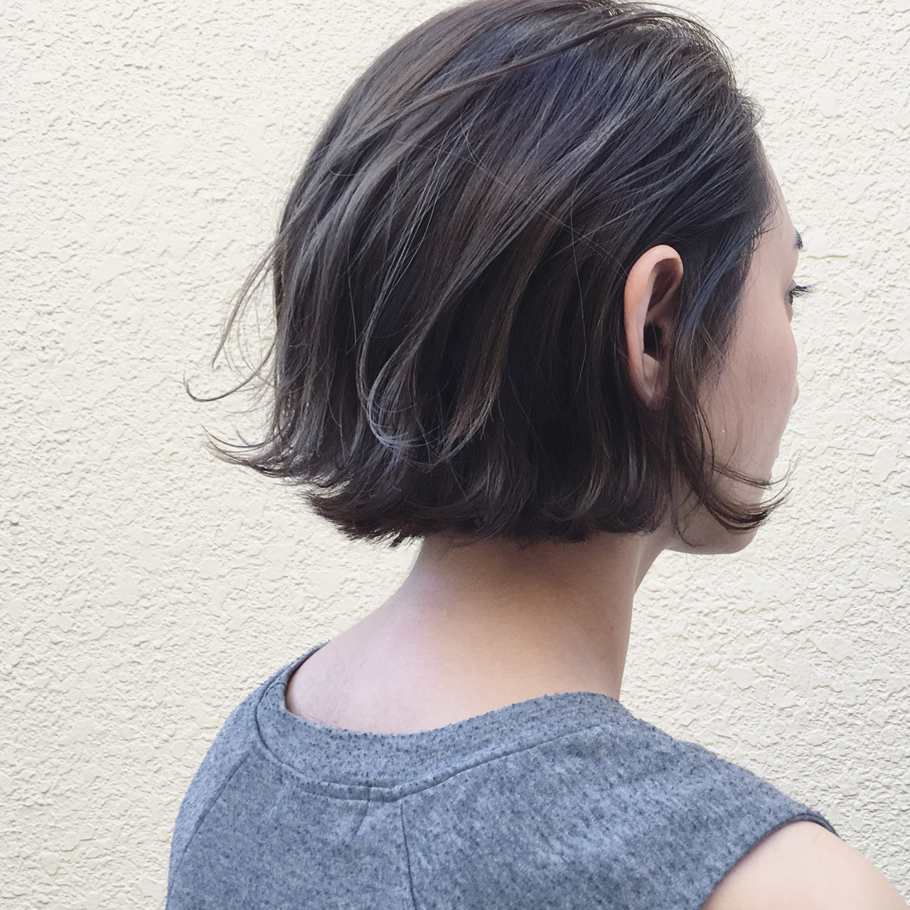 グレージュ ウェットヘア 切りっぱなし ナチュラル ヘアスタイルや髪型の写真・画像 | 篠崎 佑介 / ticro.