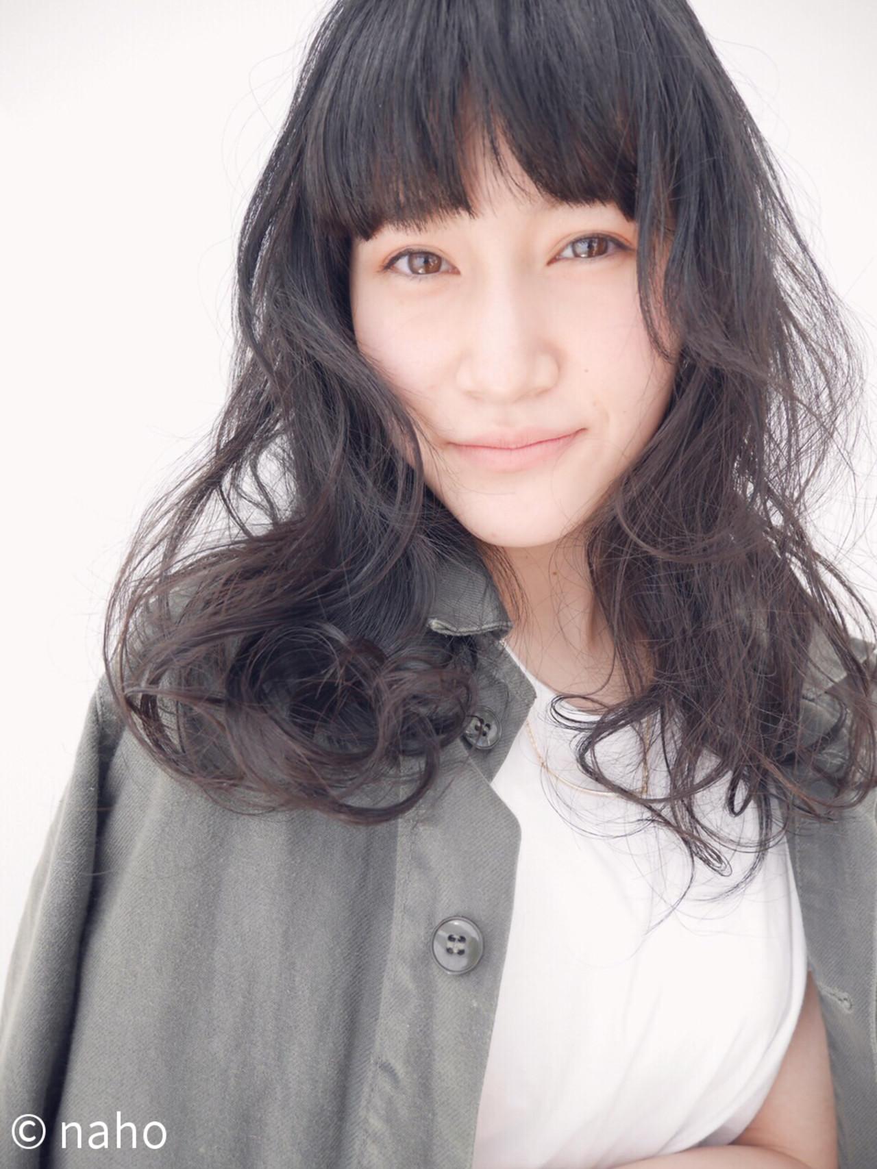 前髪あり 黒髪 ゆるふわ ナチュラル ヘアスタイルや髪型の写真・画像 | naho /