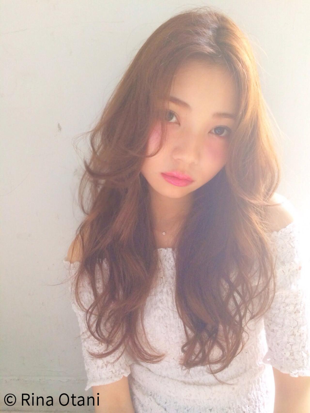 外国人風 ロング ガーリー 大人かわいい ヘアスタイルや髪型の写真・画像   Rina Otani /